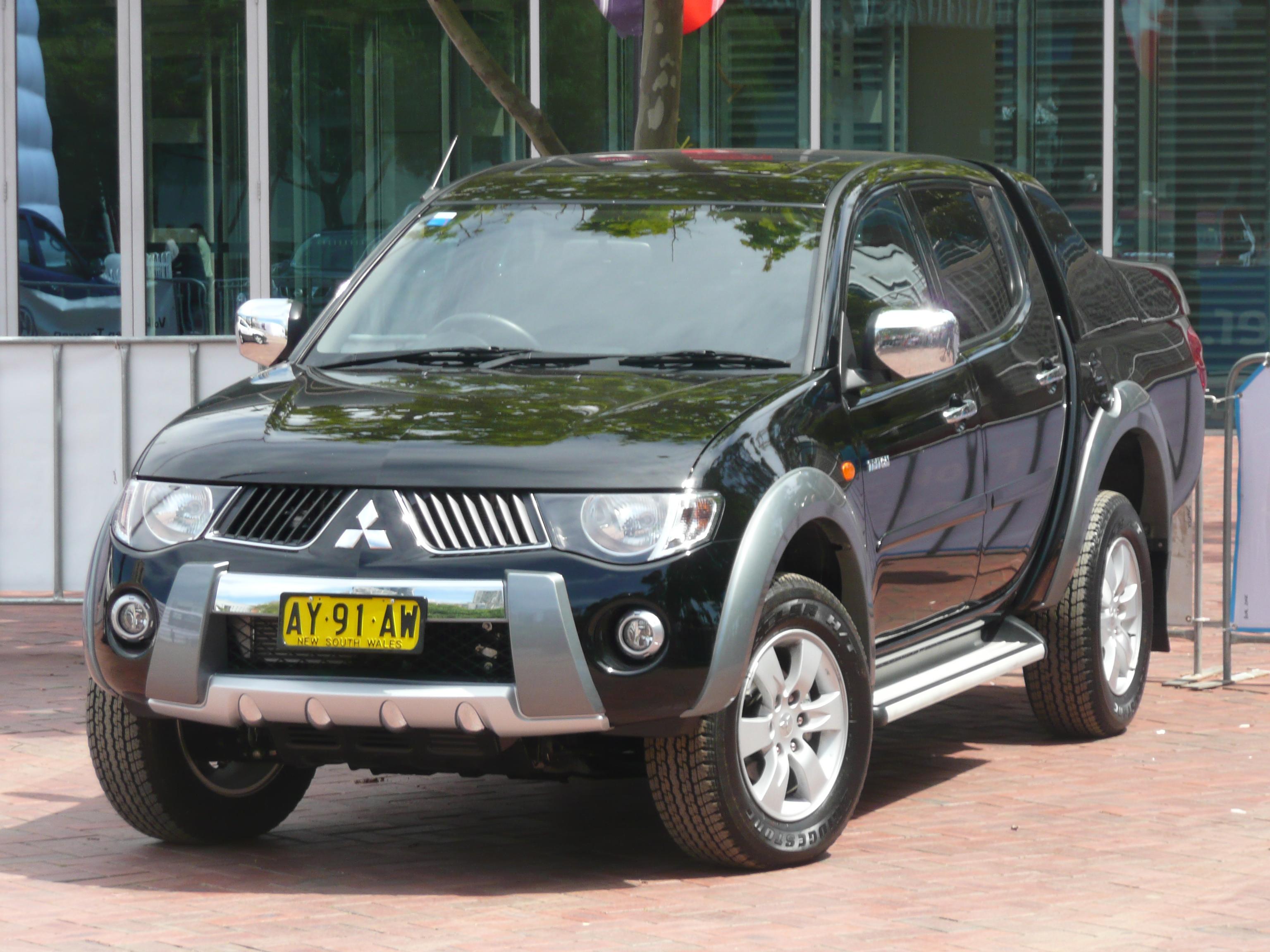 Descripción 2008 Mitsubishi Triton (ML) GLS Fastback 4-door utility