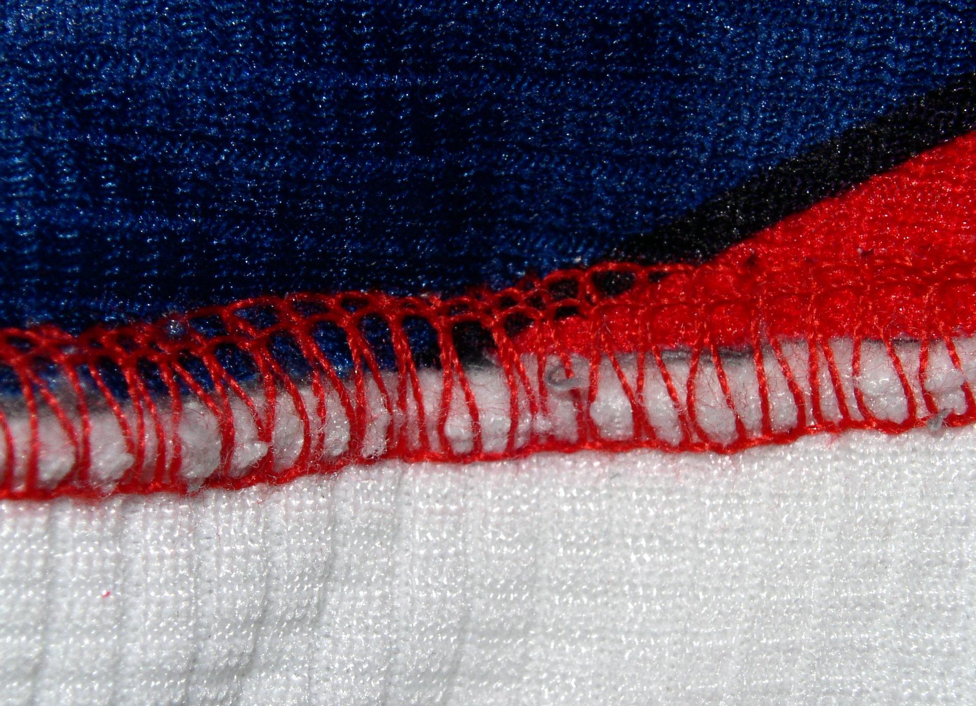 File:3 thread flatlock stitch JPG - Wikimedia Commons