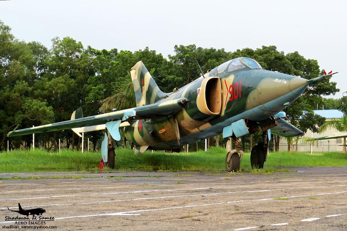 File56901 Bangladesh Air Force A 5C Fantan 27227108053