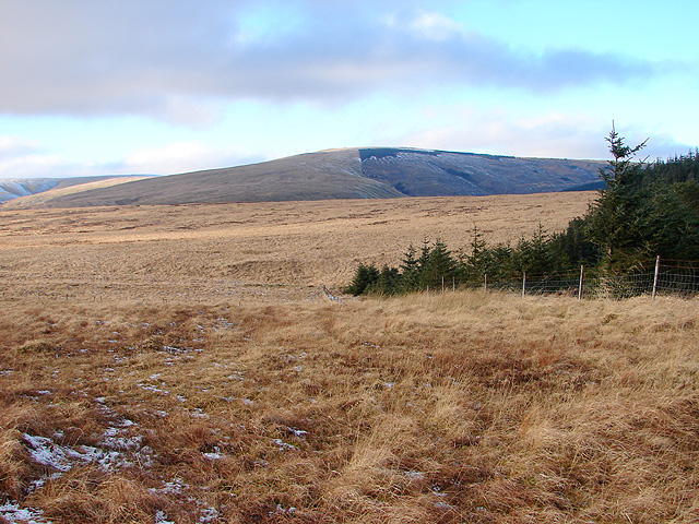 File:A view towards Waun Goch and Bryn Daith - geograph.org.uk - 1113059.jpg