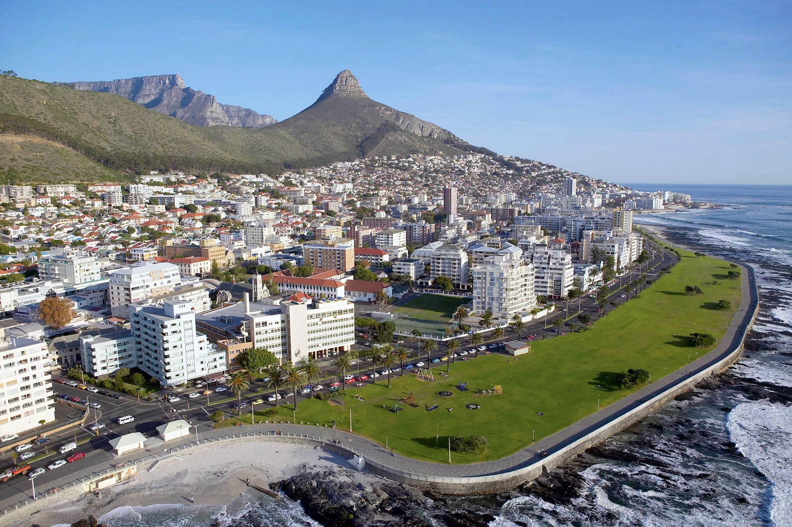 Description Aerial View of Sea Point, Cape Town South Africa.jpg