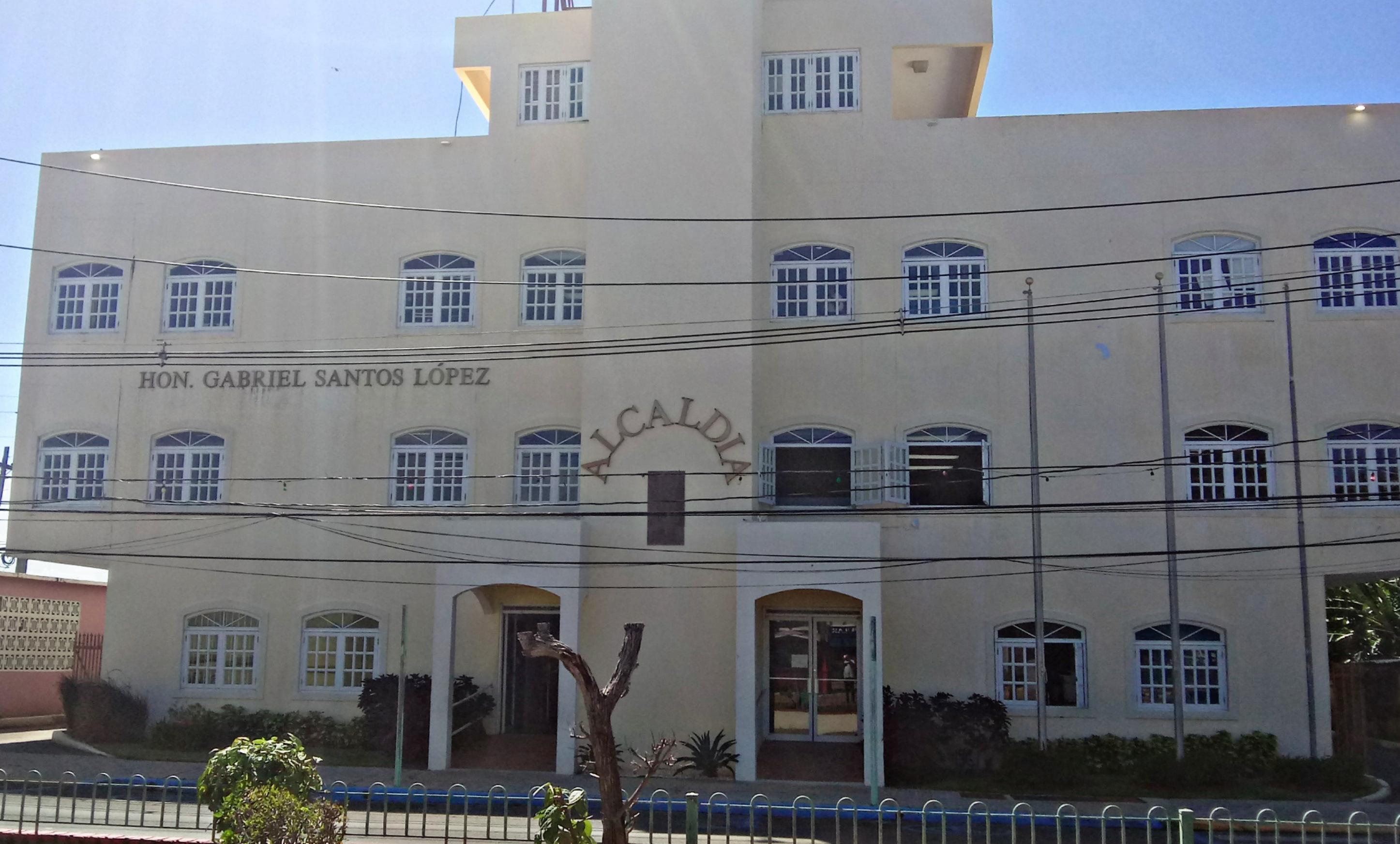 Alcald%C3%ADa de Lo%C3%ADza%2C en barrio pueblo Lo%C3%ADza%2C Puerto Rico - Tempat Wisata di Argentina Pesonannya Manjakan Mata