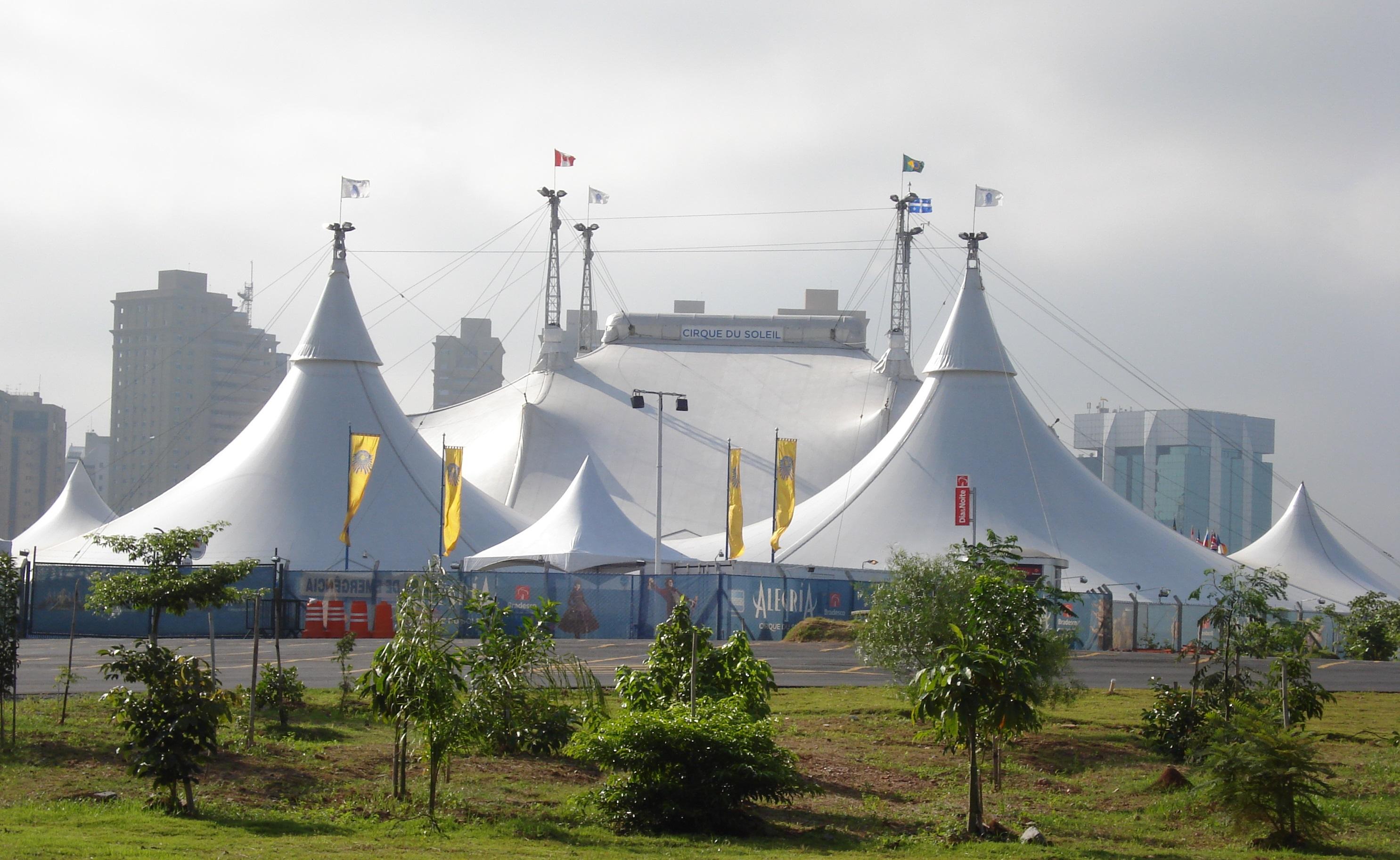 Alegra Cirque Du Soleil Wikipedia Maya Red Top Leux Studio Set And Technical Informationedit