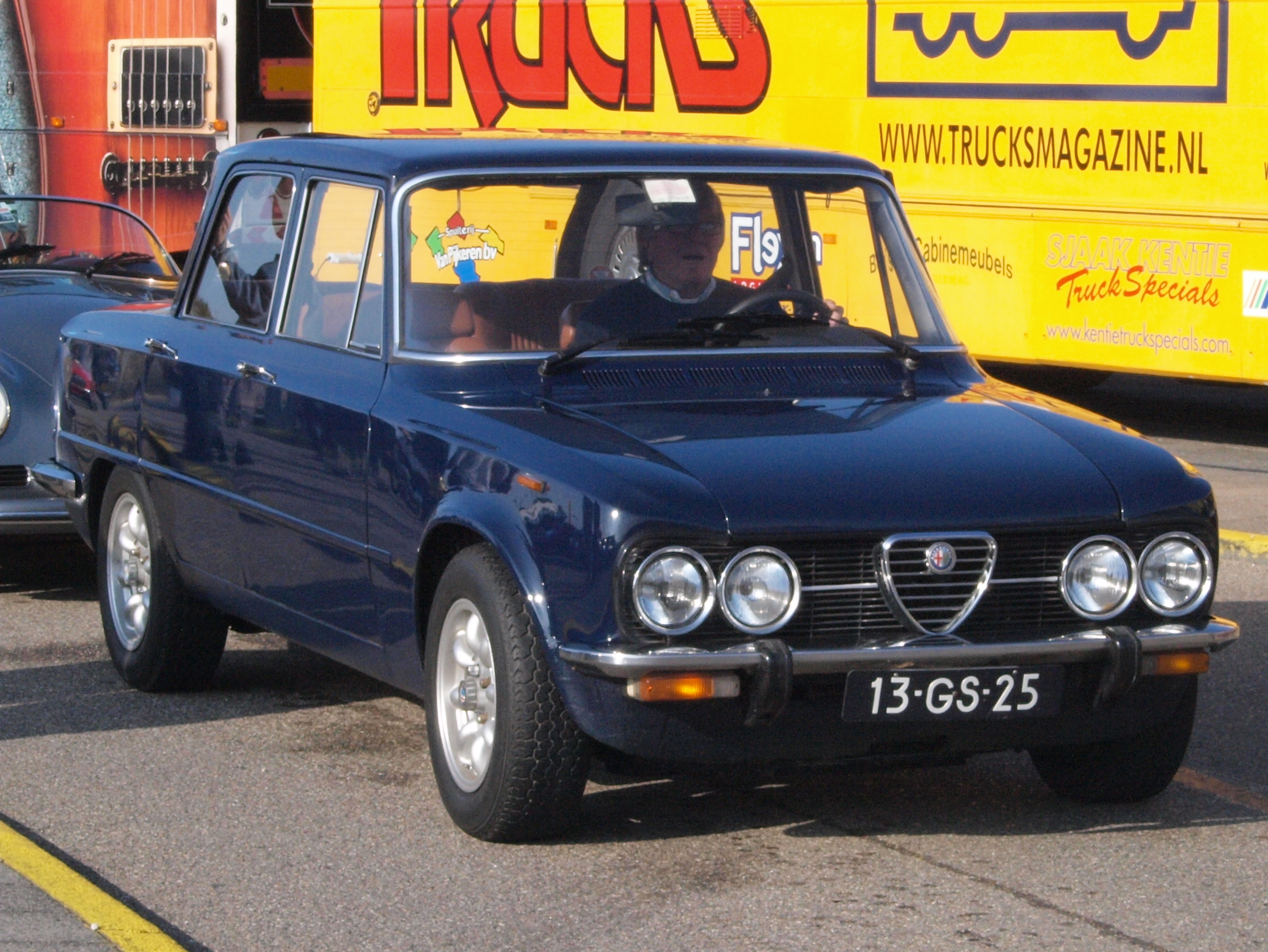 file alfa romeo giulia super 1 6 lusso dutch licence registration 13 gs 25 pic3 jpg wikimedia. Black Bedroom Furniture Sets. Home Design Ideas
