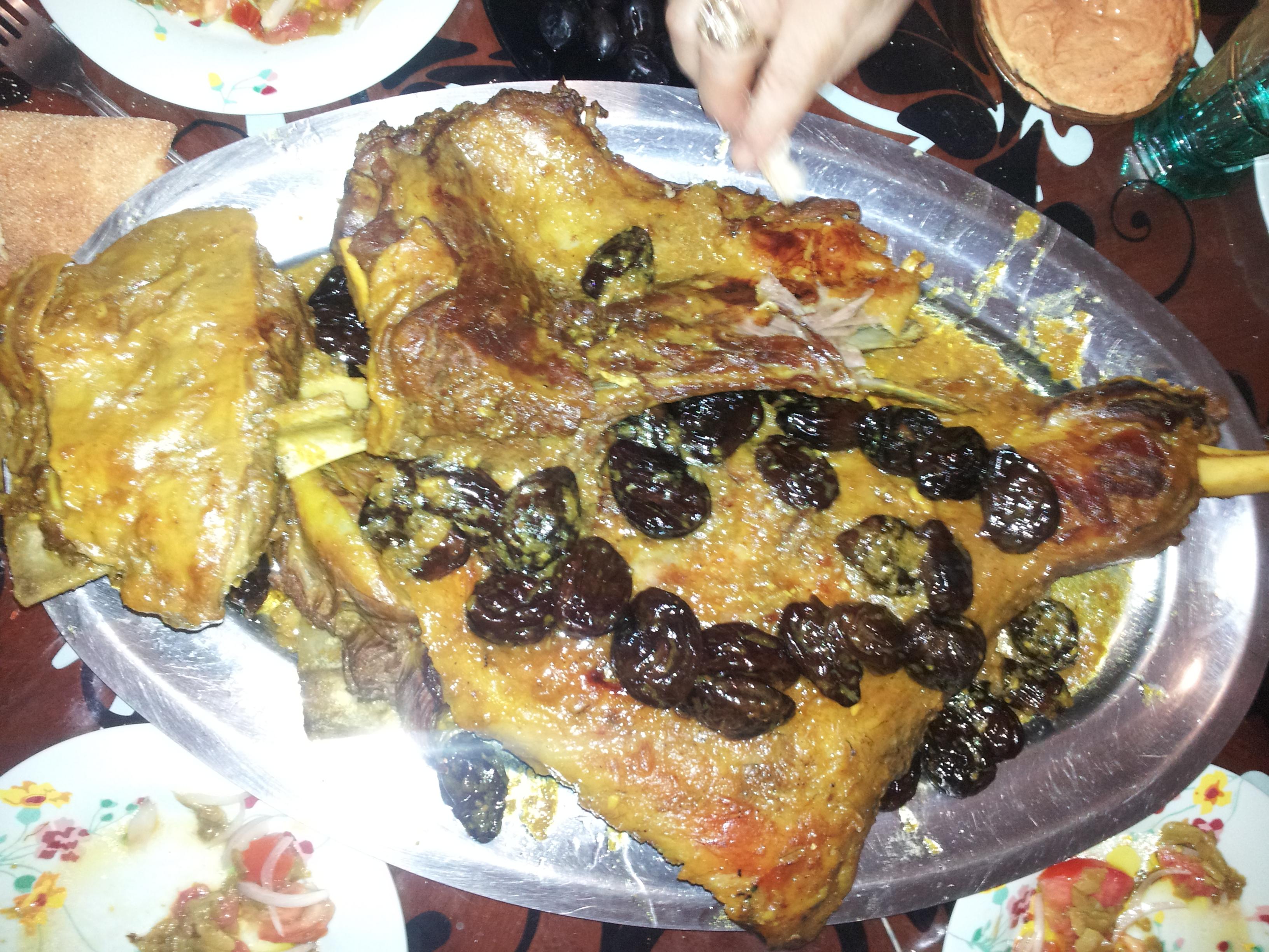 File algerian food 9 jpg wikimedia commons for Algerien cuisine