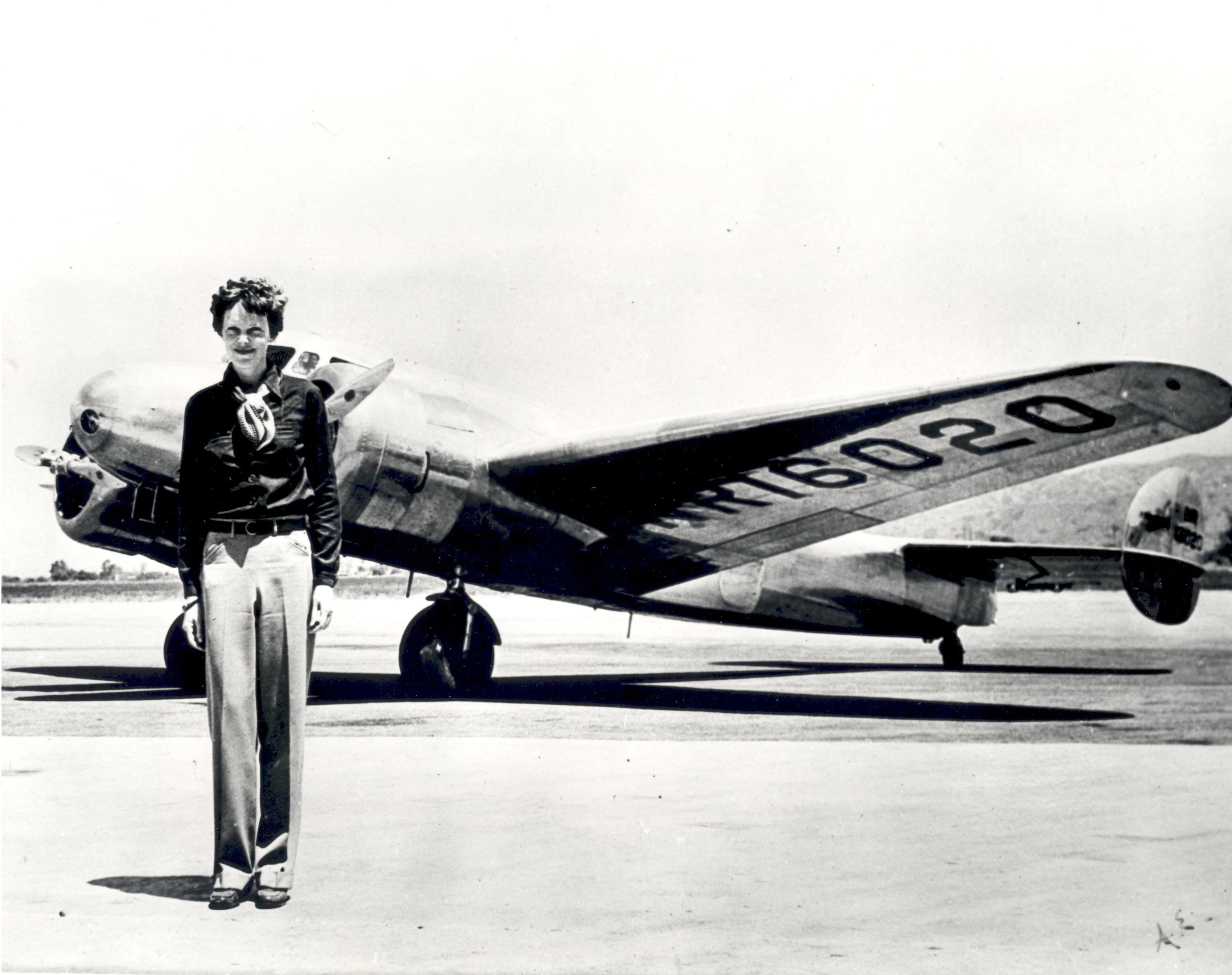 Amelia Earhart - GPN-2002-000211