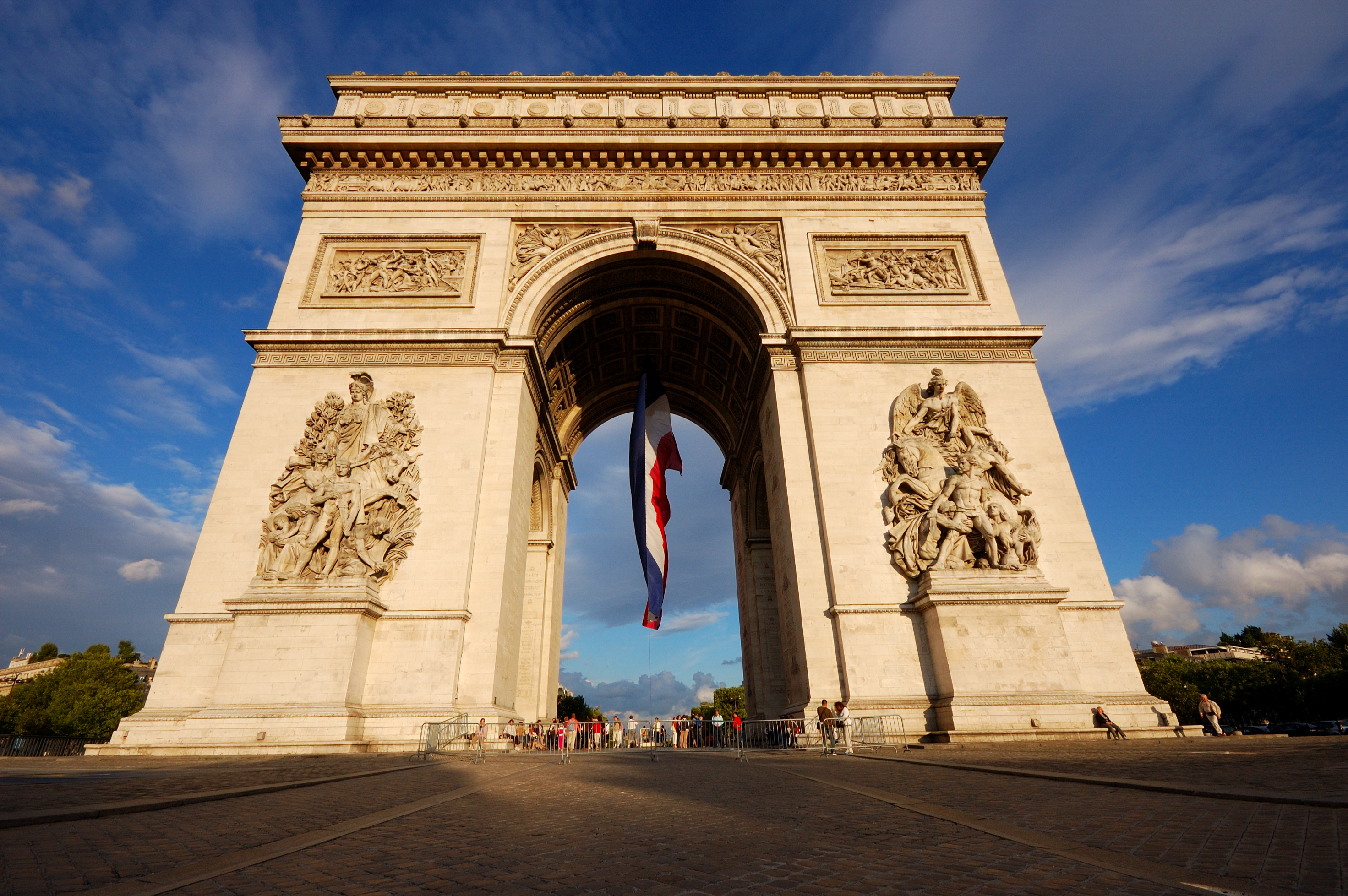 paris arc de triomphe - 1024×681