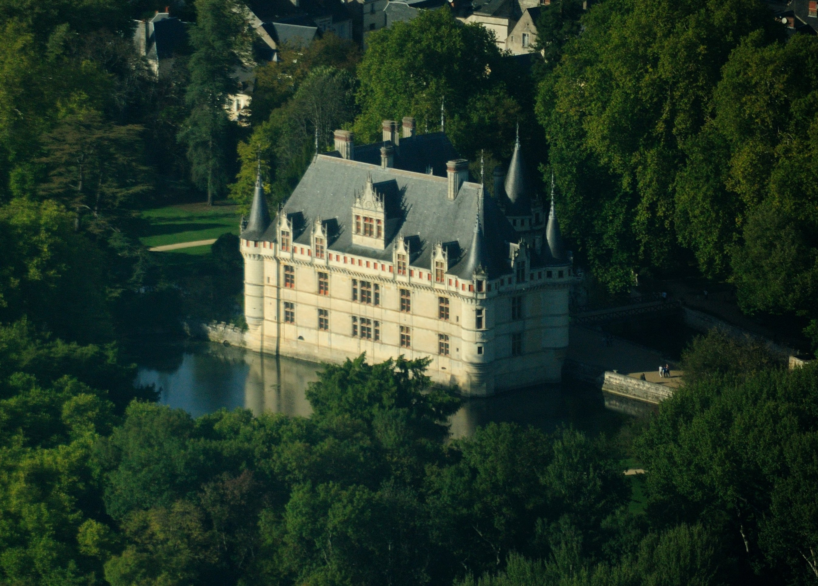 file azay le rideau castle aerial wikimedia. Black Bedroom Furniture Sets. Home Design Ideas
