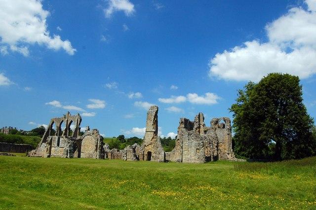 Bayham Old Abbey - geograph.org.uk - 1337092