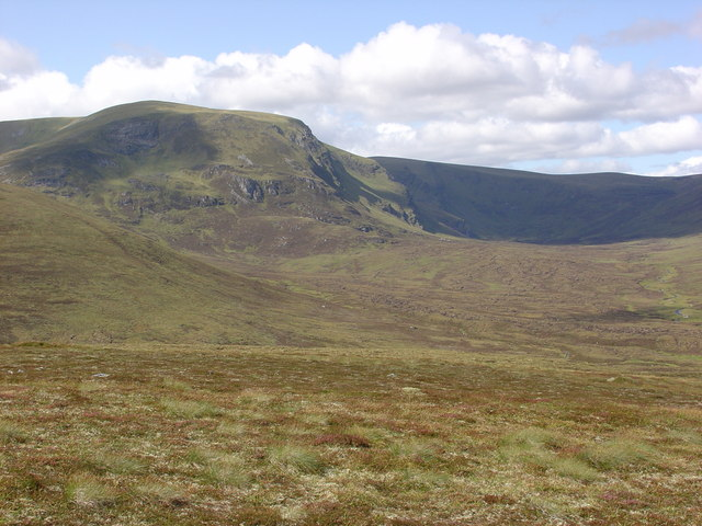 File:Ben Wyvis from the south east - geograph.org.uk - 1457305.jpg
