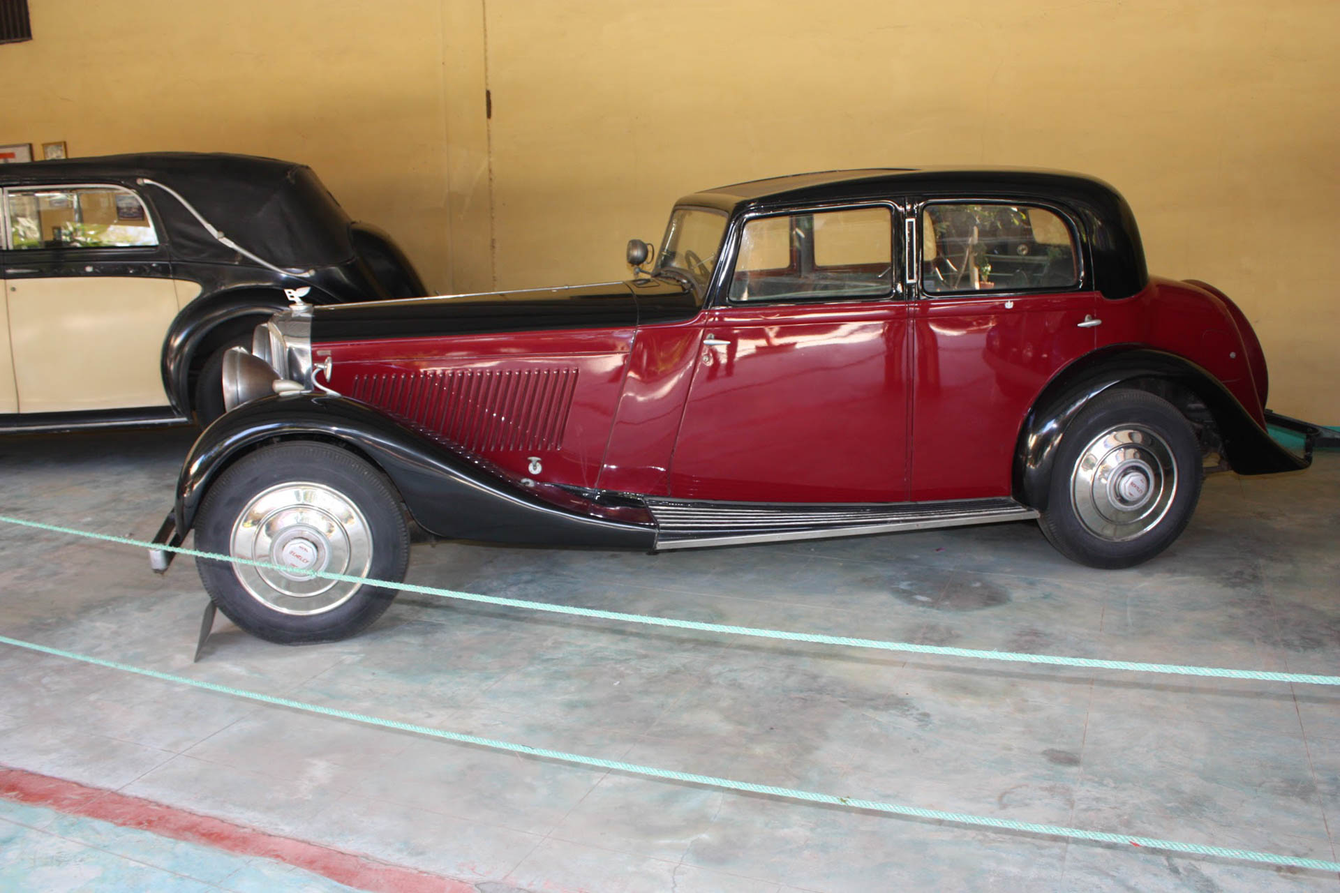File:Bentley from Auto World.jpg - Wikimedia Commons