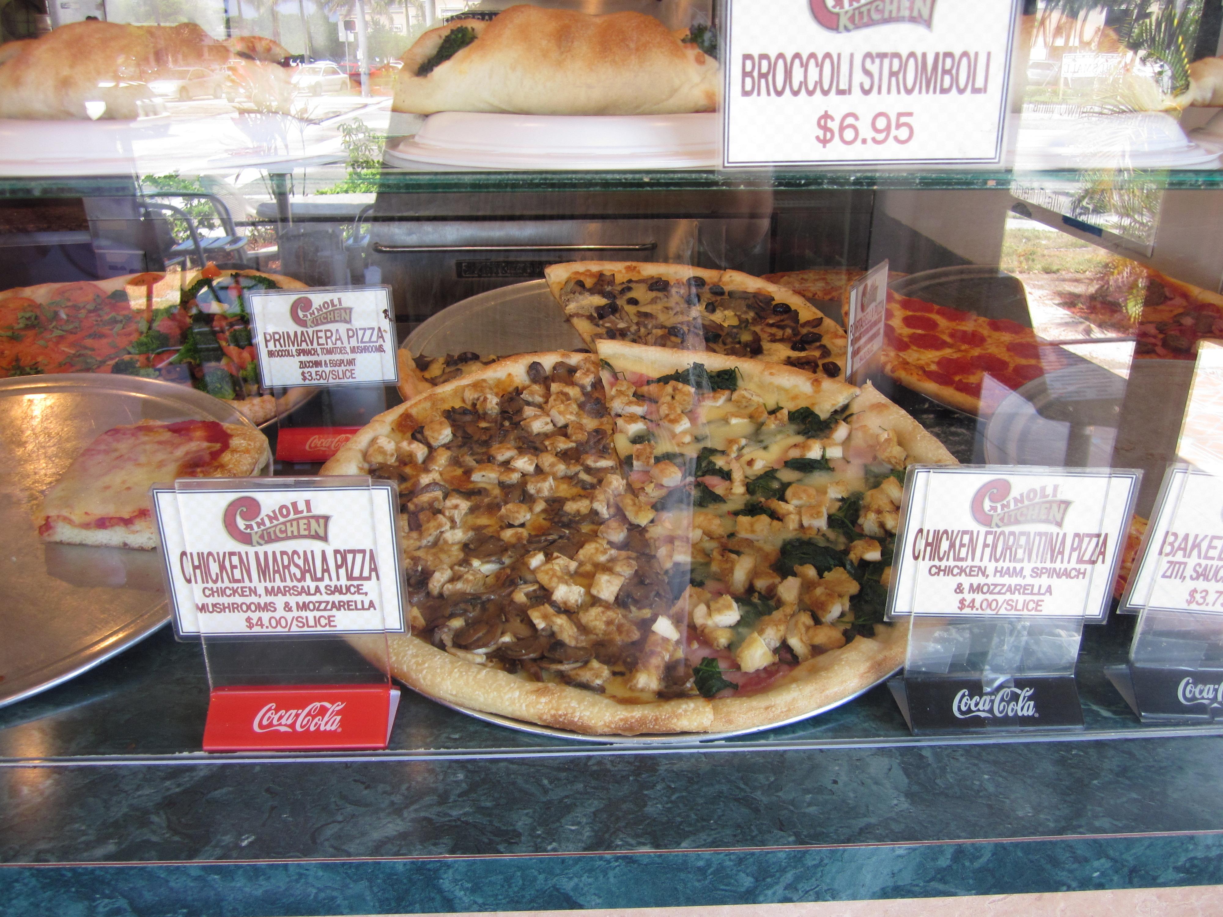 File:Boca Cannoli Kitchen Pizza.JPG - Wikimedia Commons