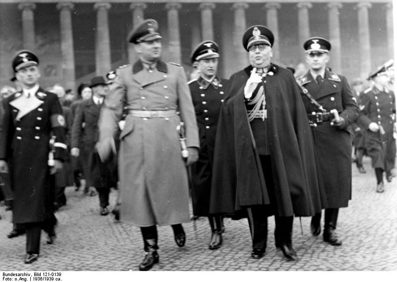 File:Bundesarchiv Bild 121-0139, Berlin, italienische Polizeiführer, Empfang.jpg