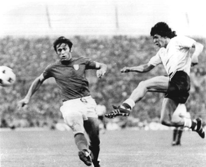 Houseman in azione contro l'Italia al Mondiale '74