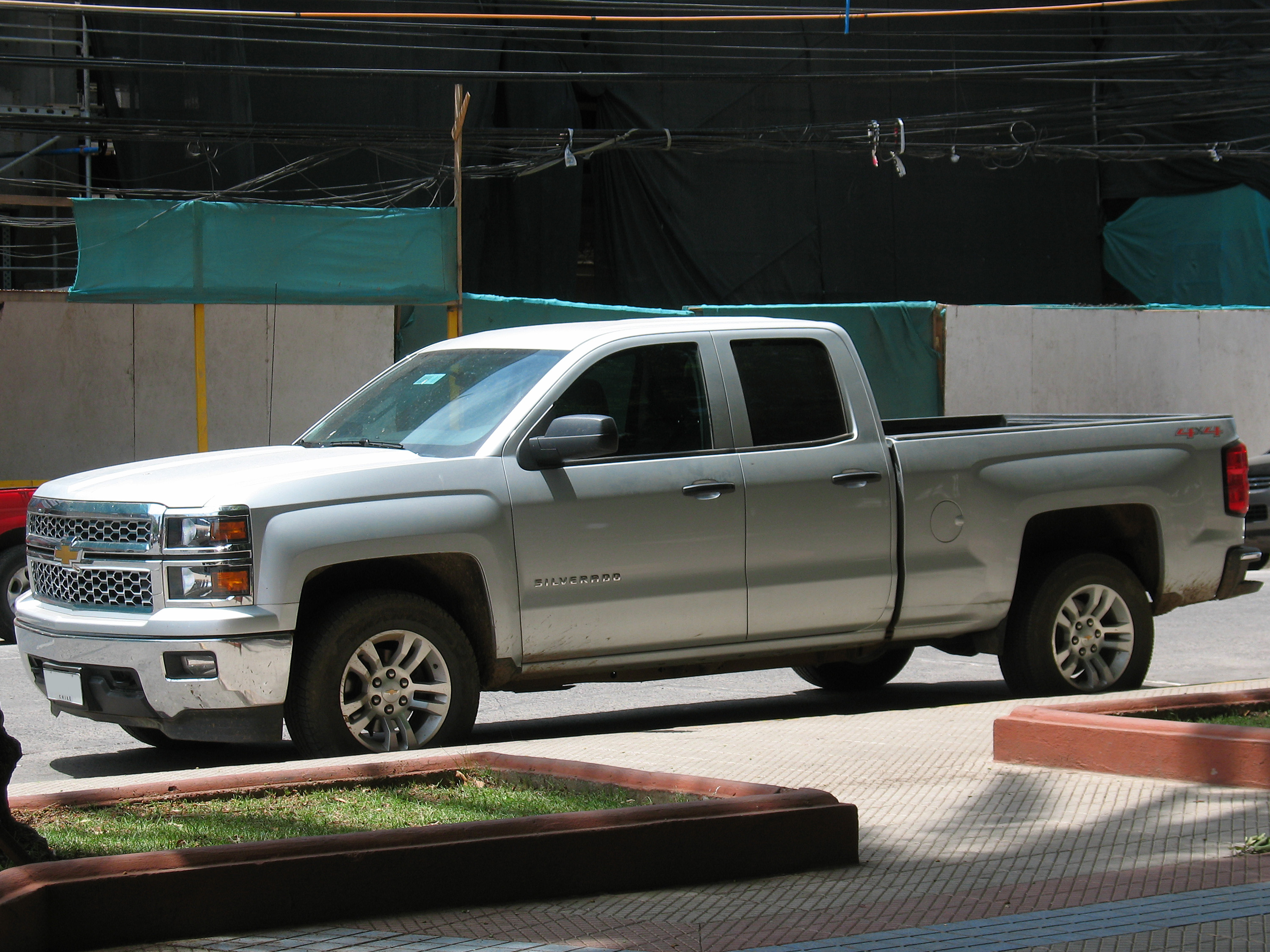file chevrolet silverado lt extended cab 4x4 2014 16178368661 jpg wikimedia commons. Black Bedroom Furniture Sets. Home Design Ideas