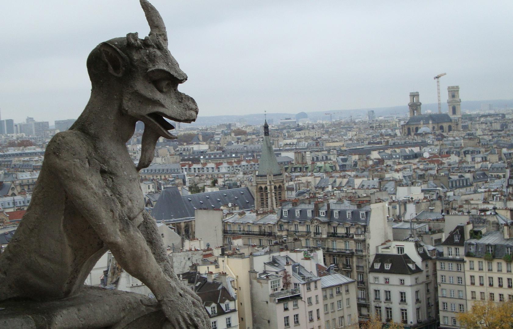 Chimera_of_Notre_Dame_de_Paris.JPG