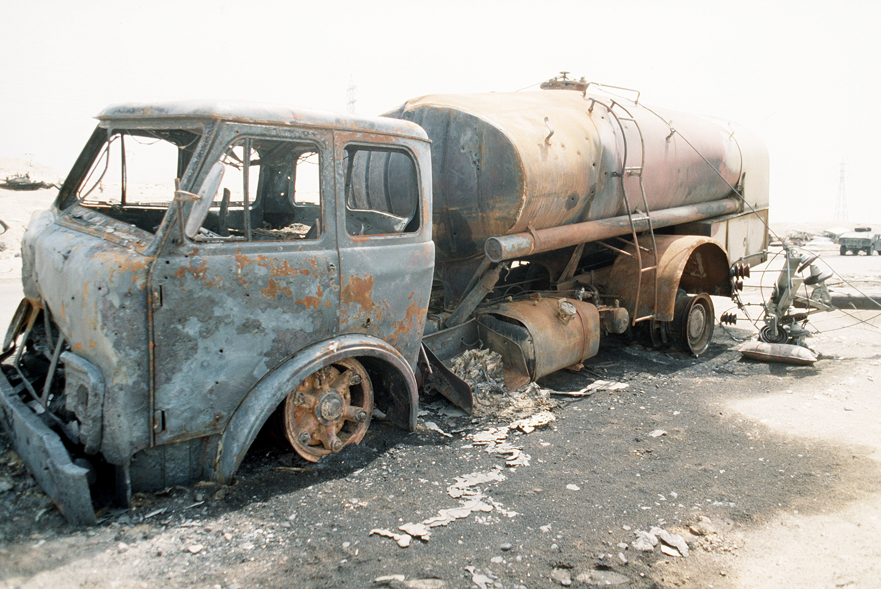 FileDestroyed Iraqi Truck In 1991JPEG