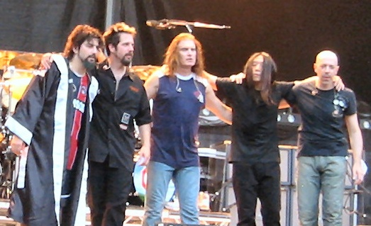 Dream_theater_live_in_Parigi_2005.jpg
