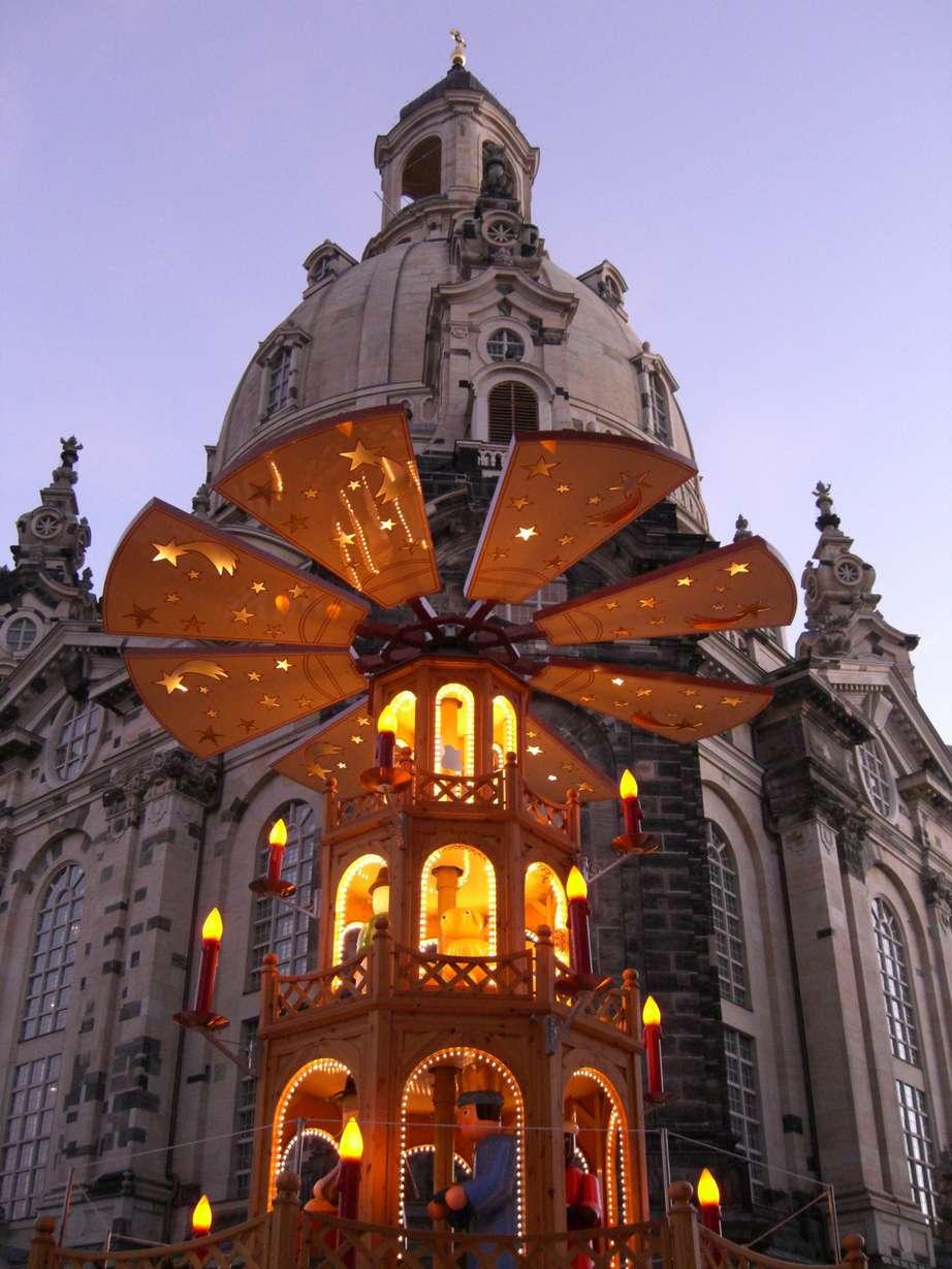 File dresden frauenkirche weihnachtspyramide c for Hotel dresden frauenkirche