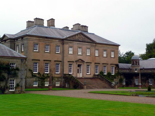 Dumfries House - frontage - geograph.org.uk - 927584