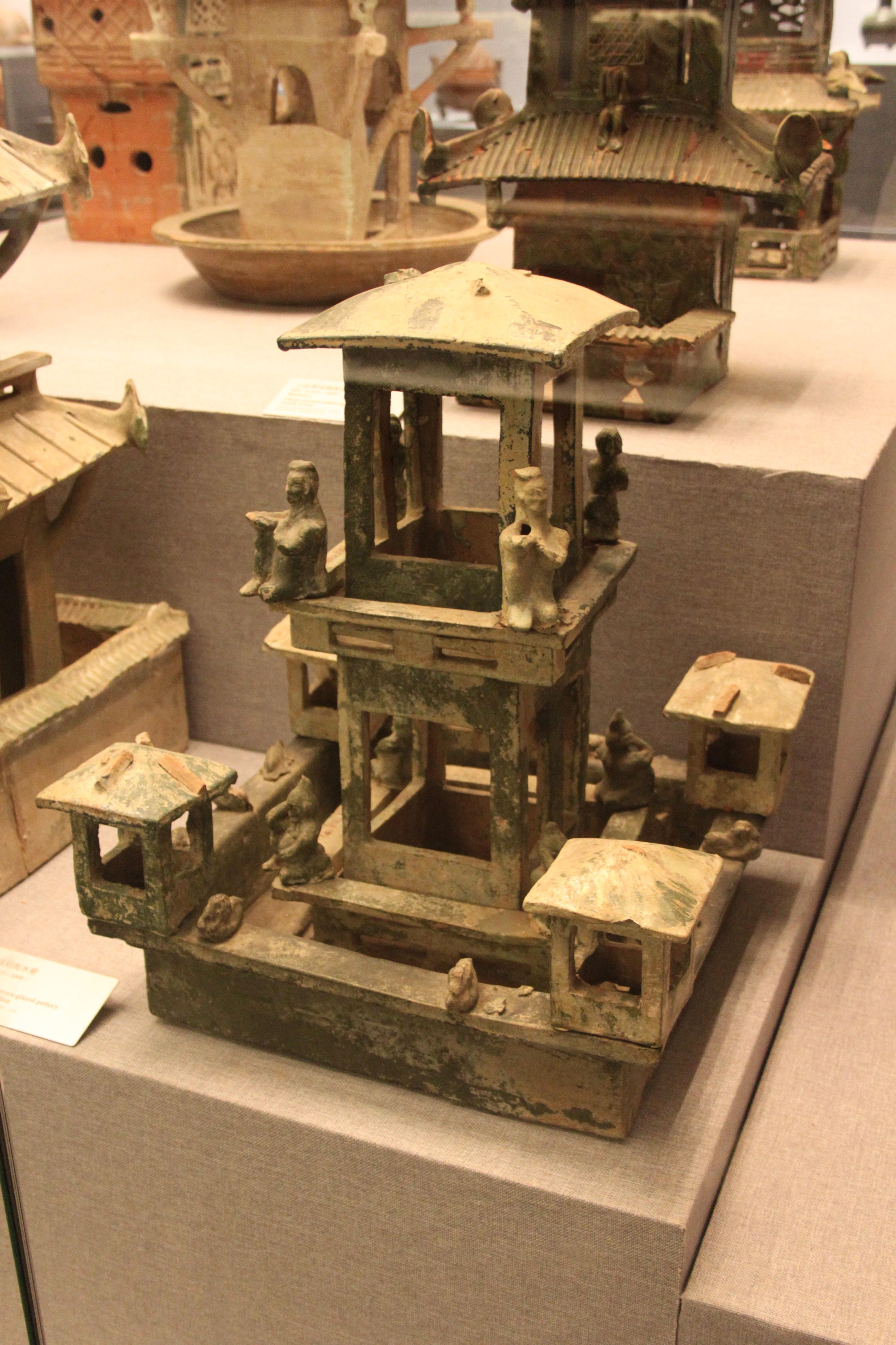 https://upload.wikimedia.org/wikipedia/commons/e/ec/Eastern_Han_Pottery_Tower_-_3.jpg