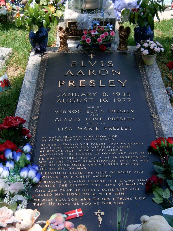 Elvis Presley Grave 2012 File:elvis grave.jpg