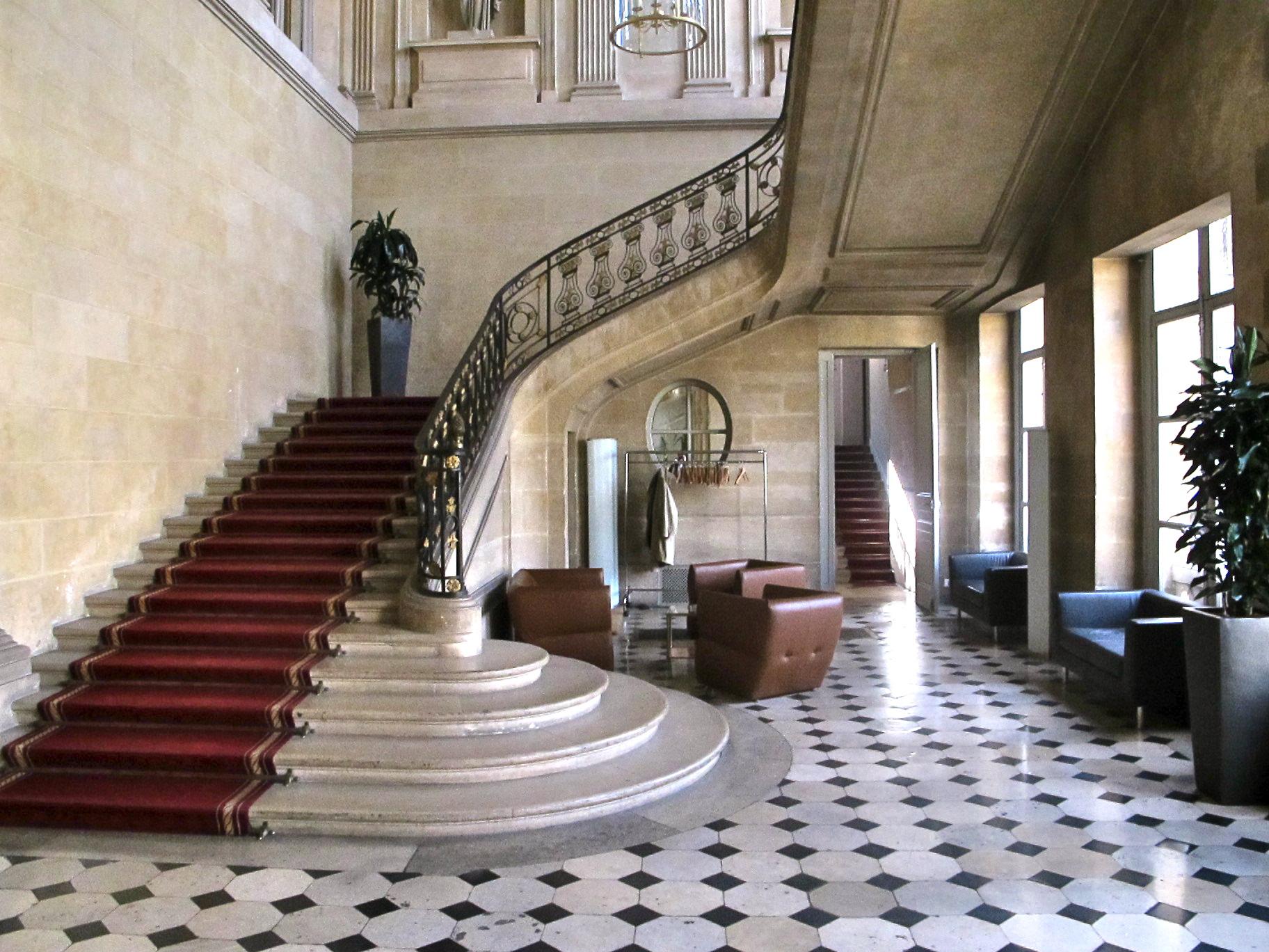 file escalier h tel ch telet paris jpg wikimedia commons. Black Bedroom Furniture Sets. Home Design Ideas