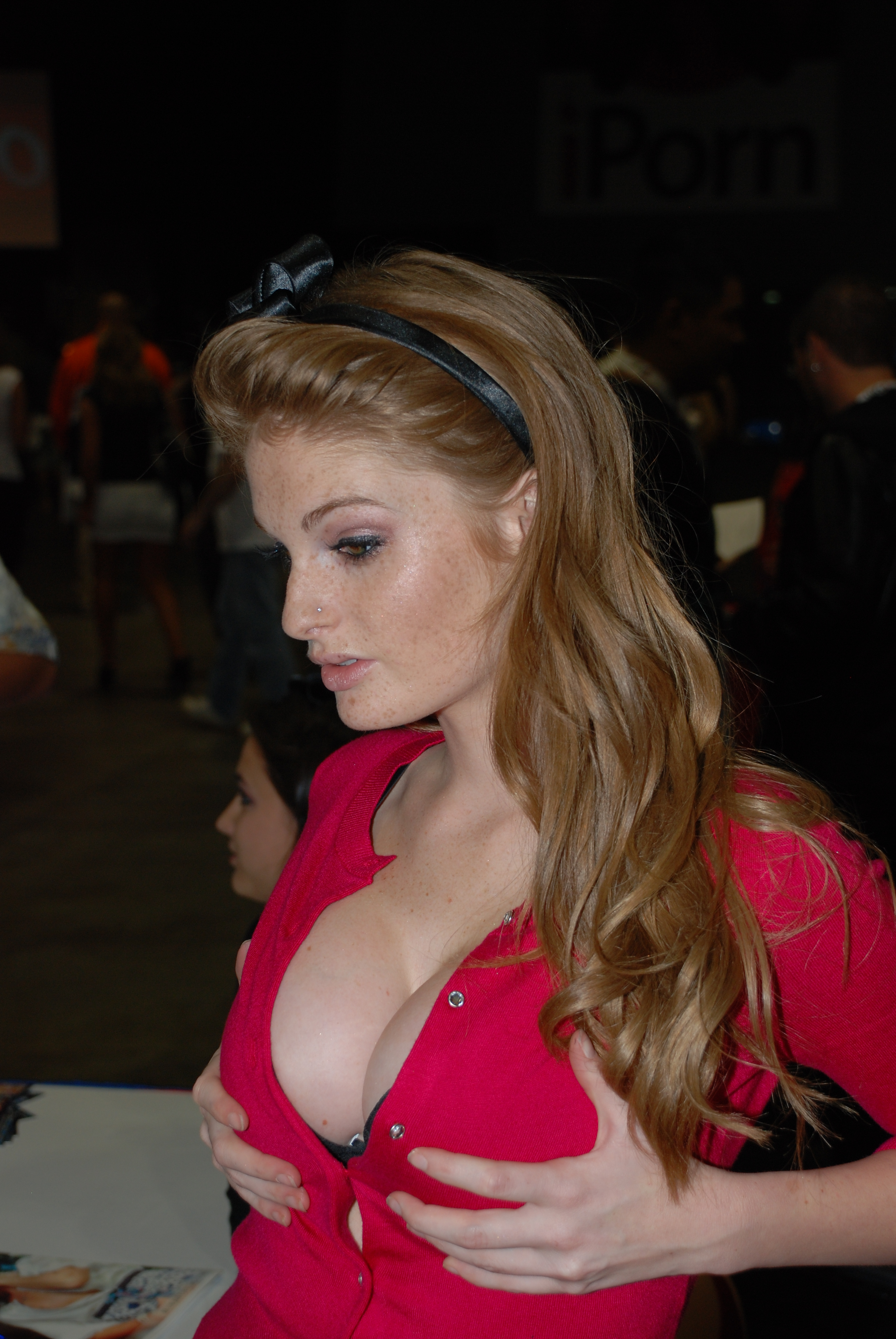 File:Faye Reagan Erotica Los Angeles 2009 (3).jpg - Wikimedia Commons