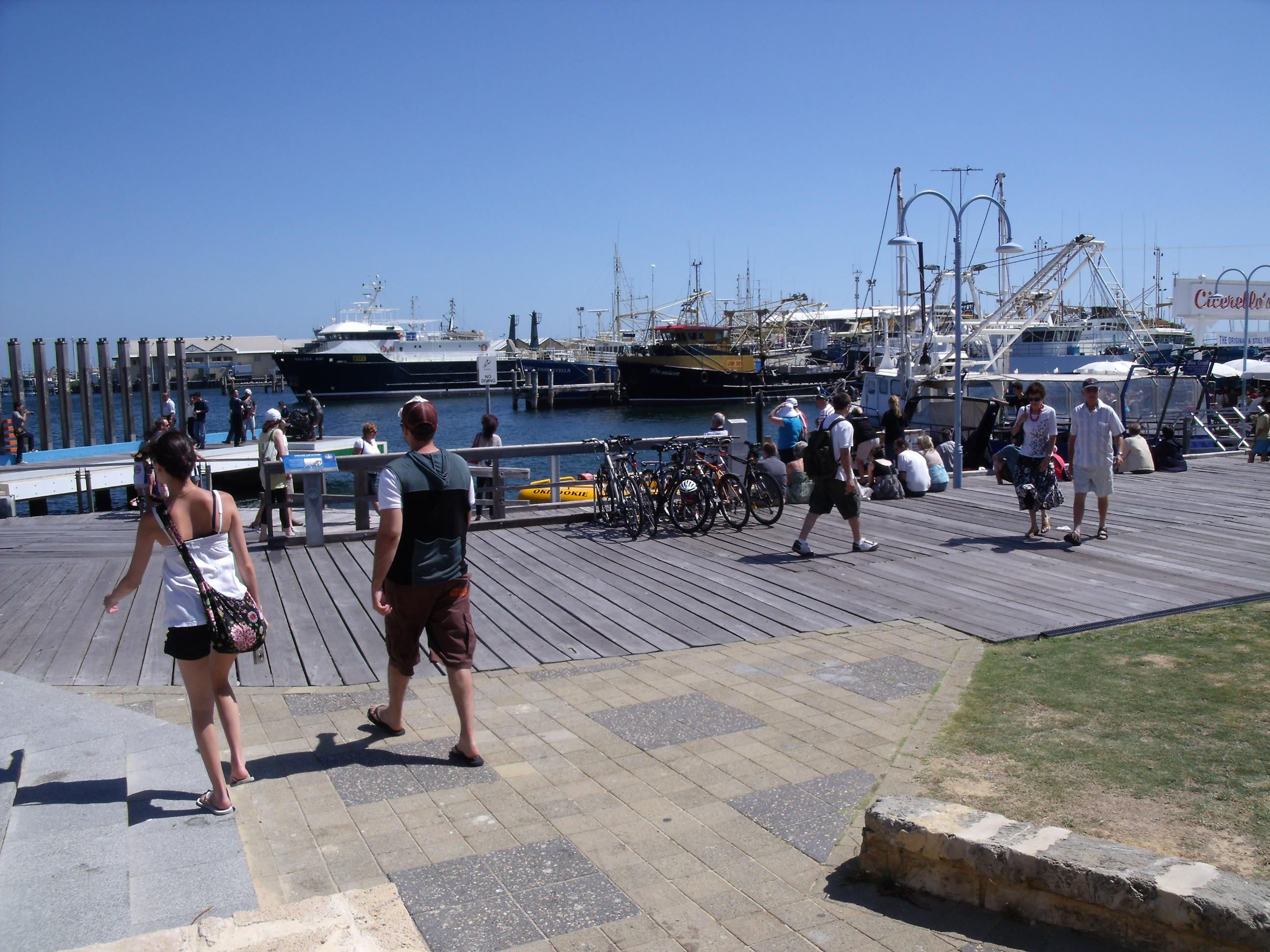 Great fishing spots around western australia alpha car hire for Fishing spots near me no boat