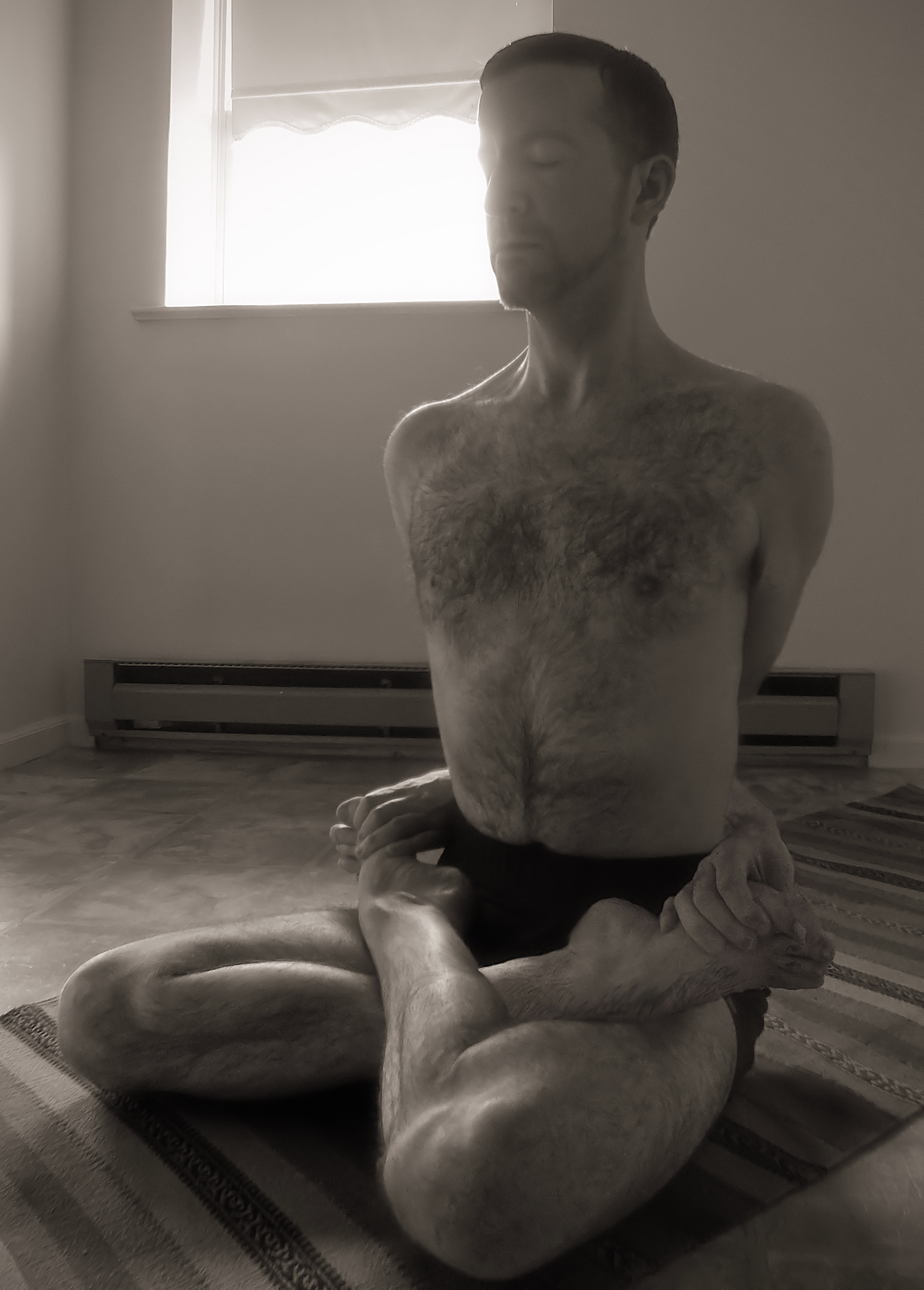 Lotus position   Wikiwand