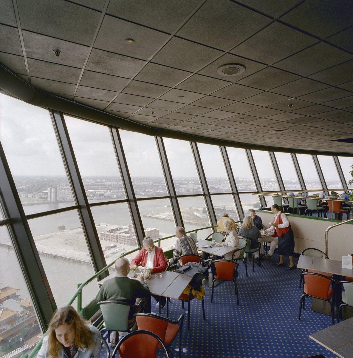 Datei:Interieur kraaiennest, restaurant met uitzicht op de haven ...