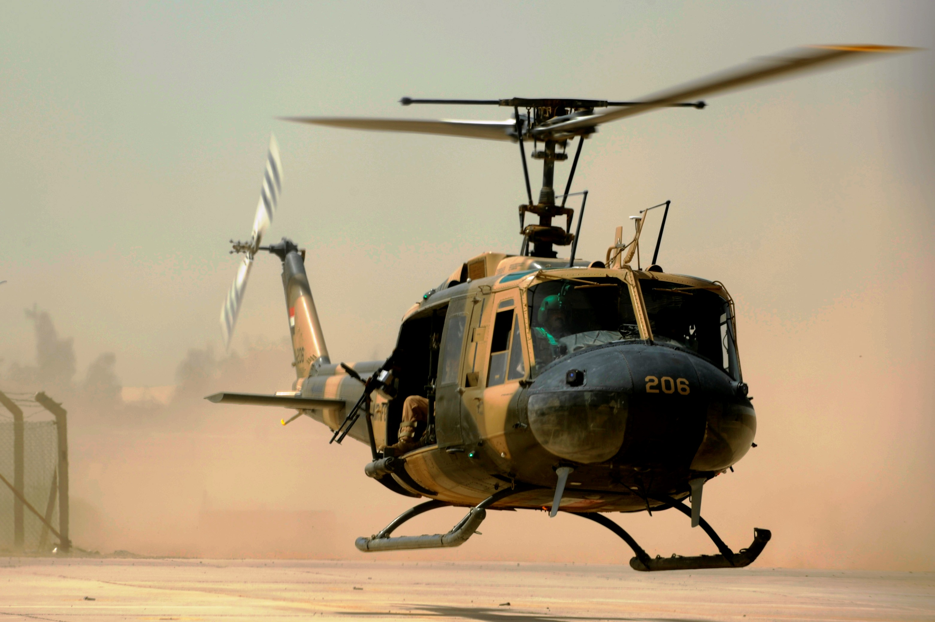 Uh 1 Elicottero : File iraqi air force uh h ii huey helicopter g