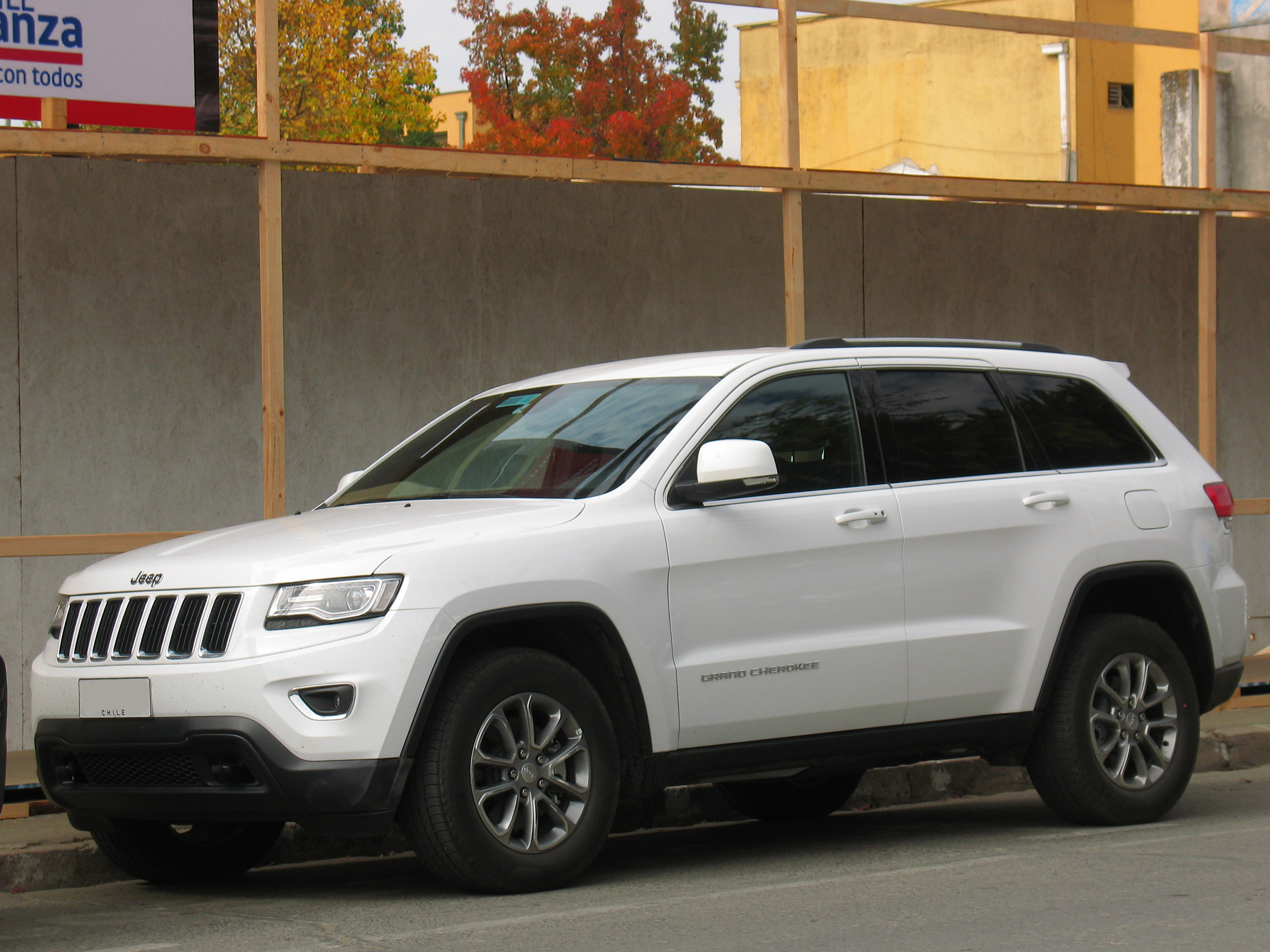 Awesome File:Jeep Grand Cherokee 3.0 CRD Laredo 2014 (14924759240)