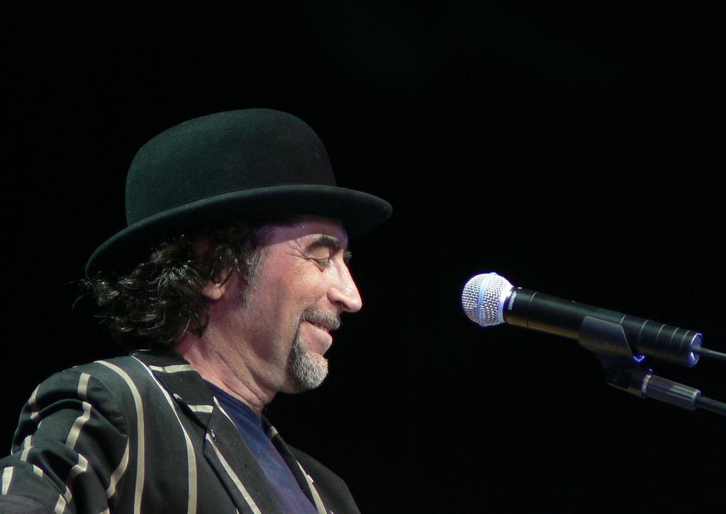 Joaquín Sabina durante un concierto en Las Palmas de Gran Canaria en 2006.