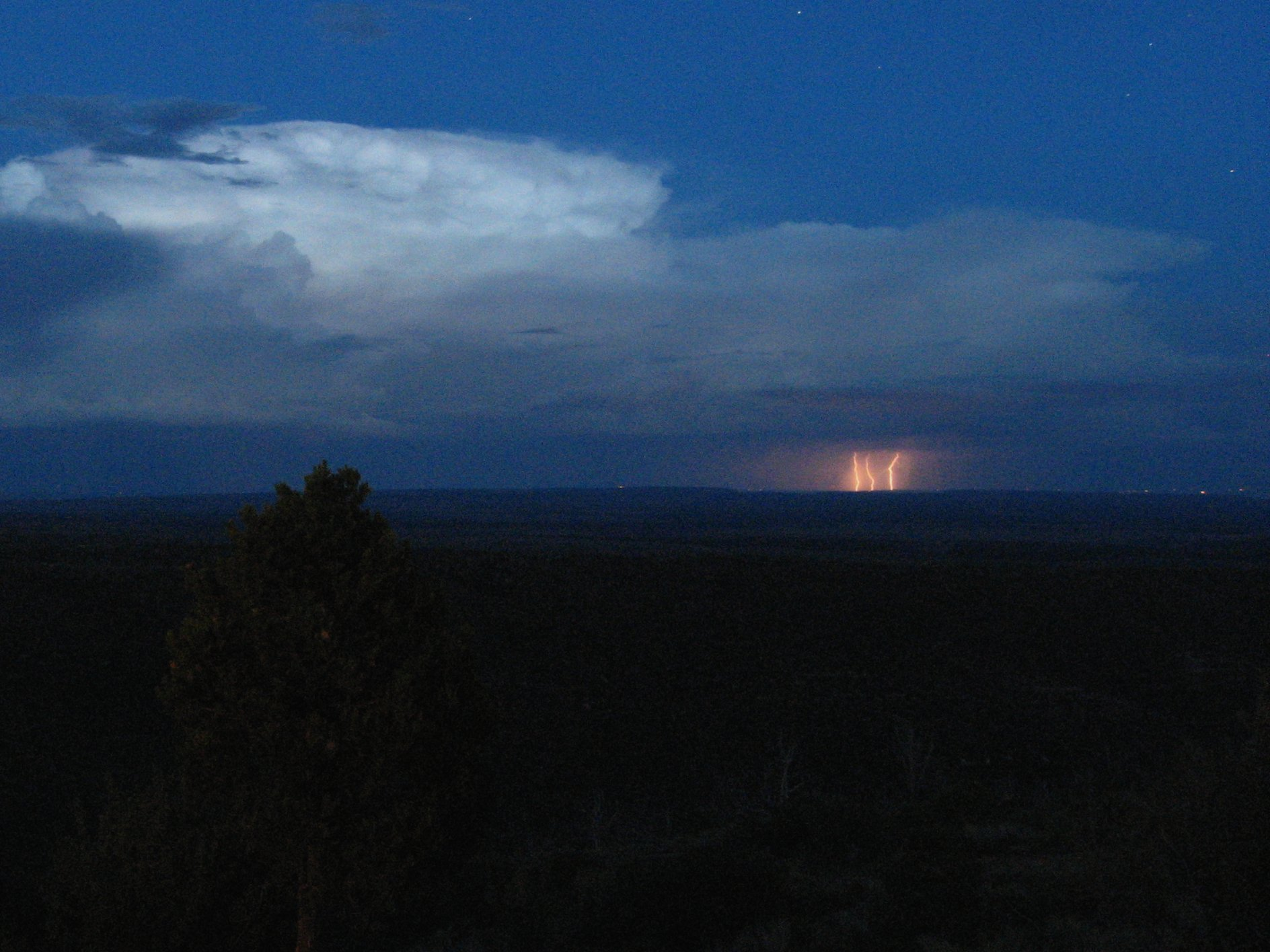 Lightning Wikipedia Autos Post