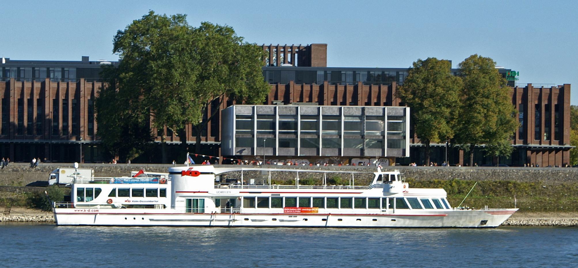 RheinEnergie (seit 2004) Das größte Eventschiff auf europäischen