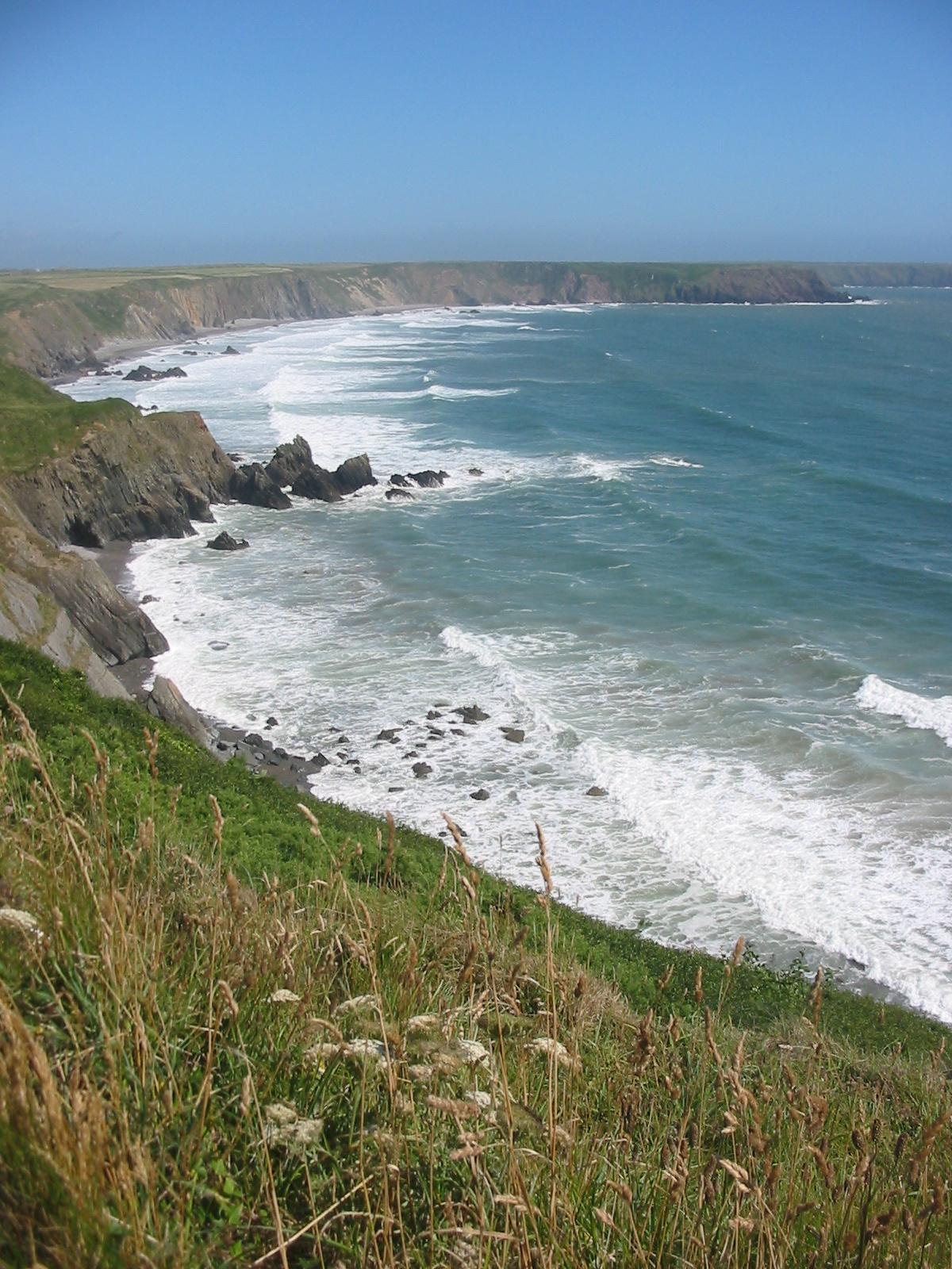 File:Marloes peninsula, Pembrokeshire coast, Wales, UK.JPG ...