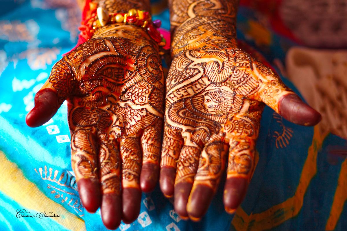 Mehndi Hand Decoration Games : Mehndi