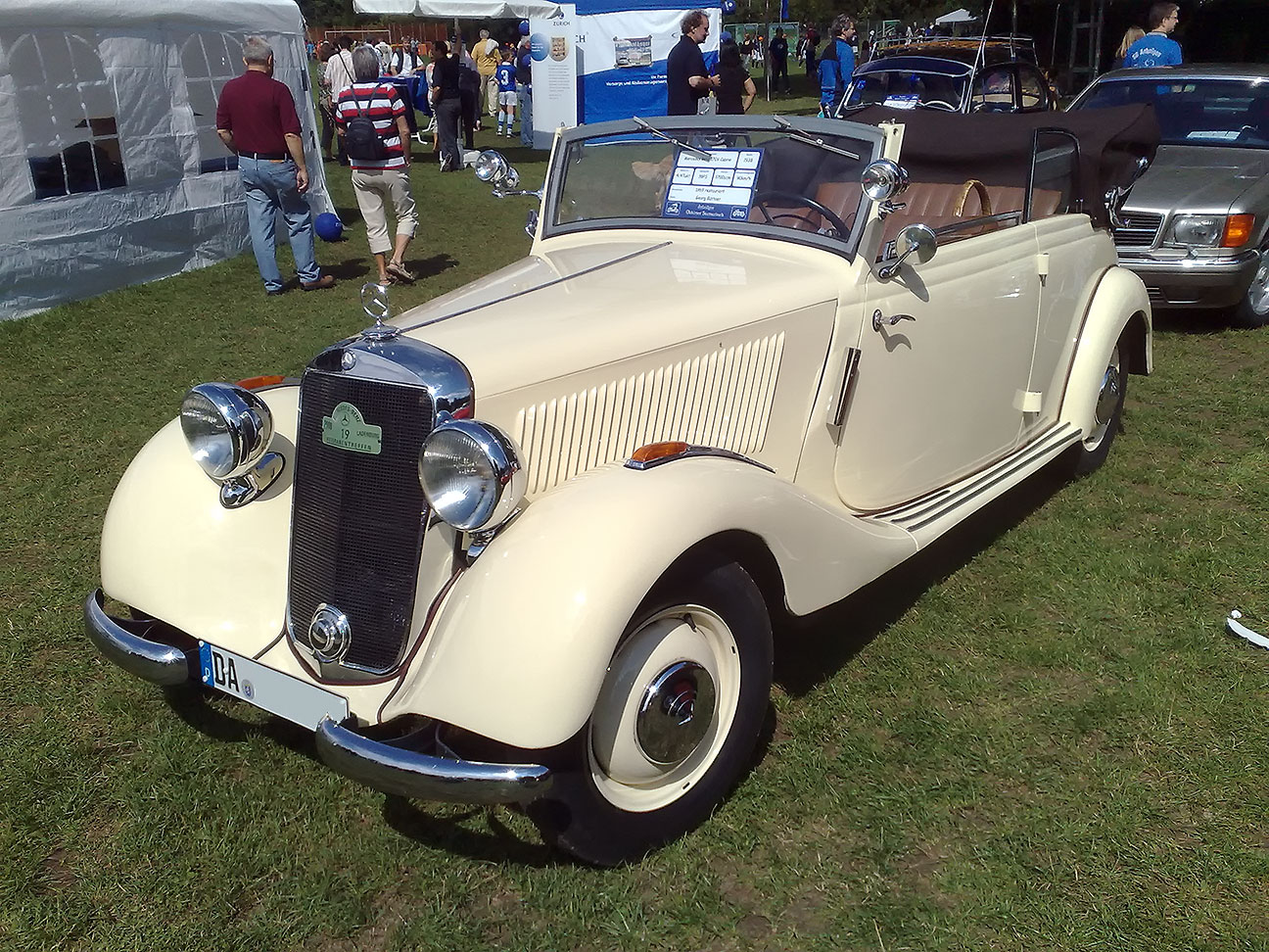 File mercedes benz 170v cabrio wikimedia commons for 1946 mercedes benz