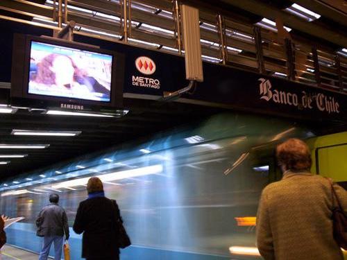 La Moneda metro station