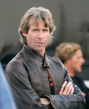 English: Michael Bay on set filming in Detroit...