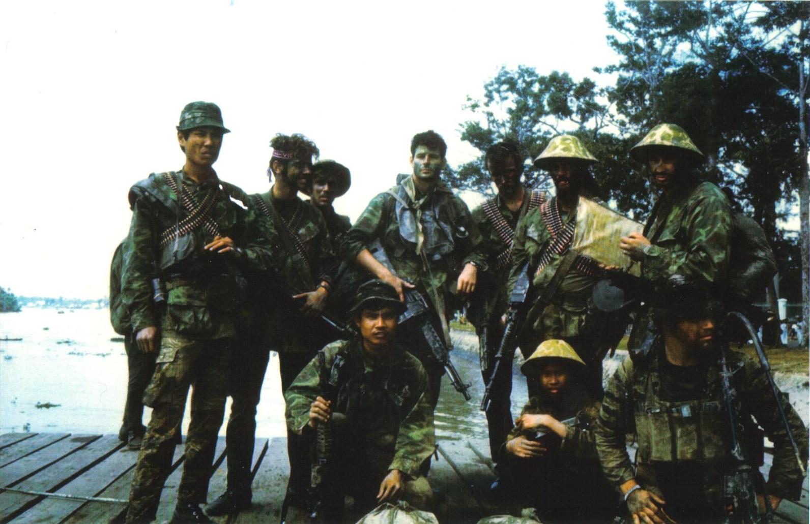 Navy SEALs wearing jeans in Vietnam 1800×1201