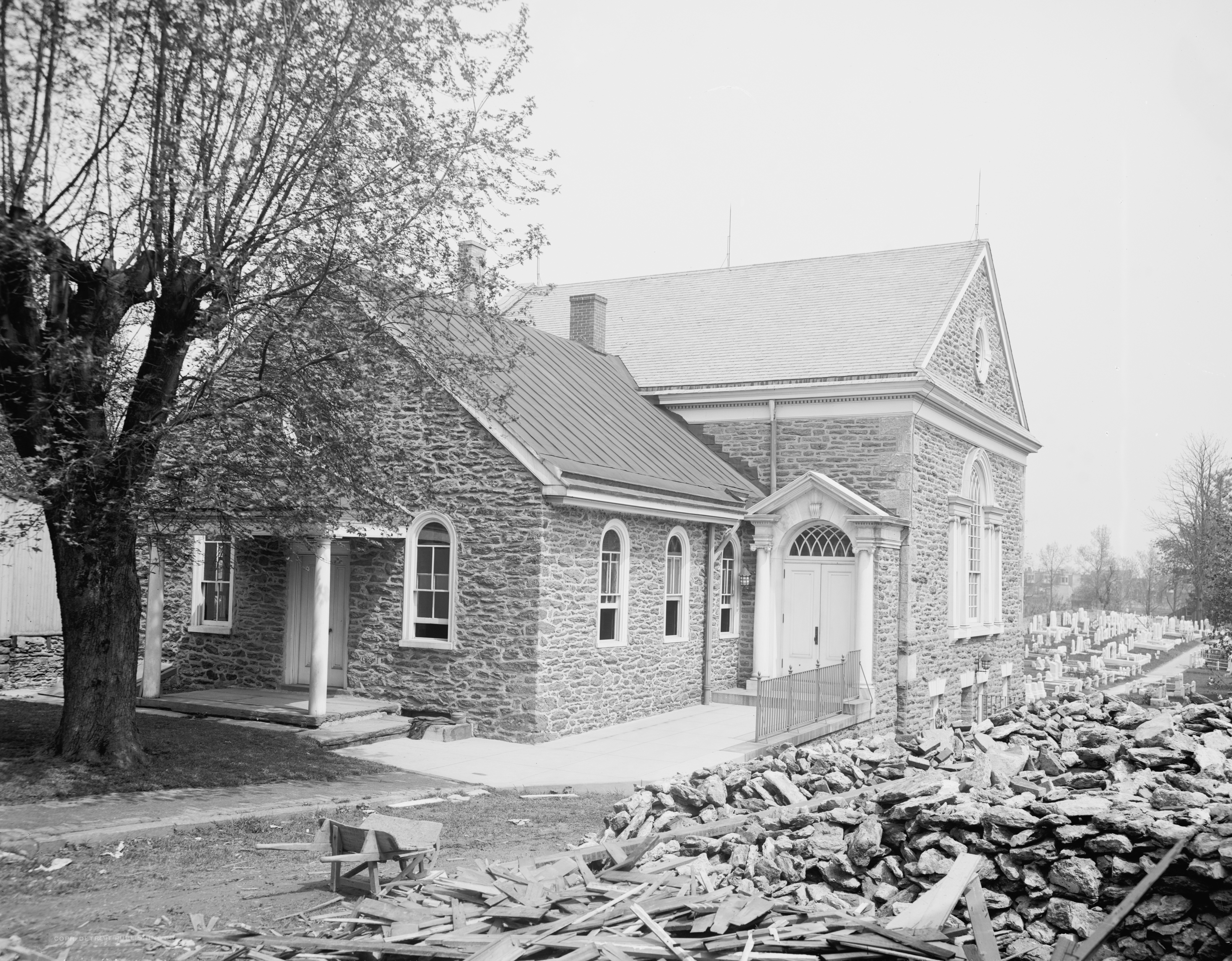 File:Old Dunkard Church Germantown Pennsylvania.jpg