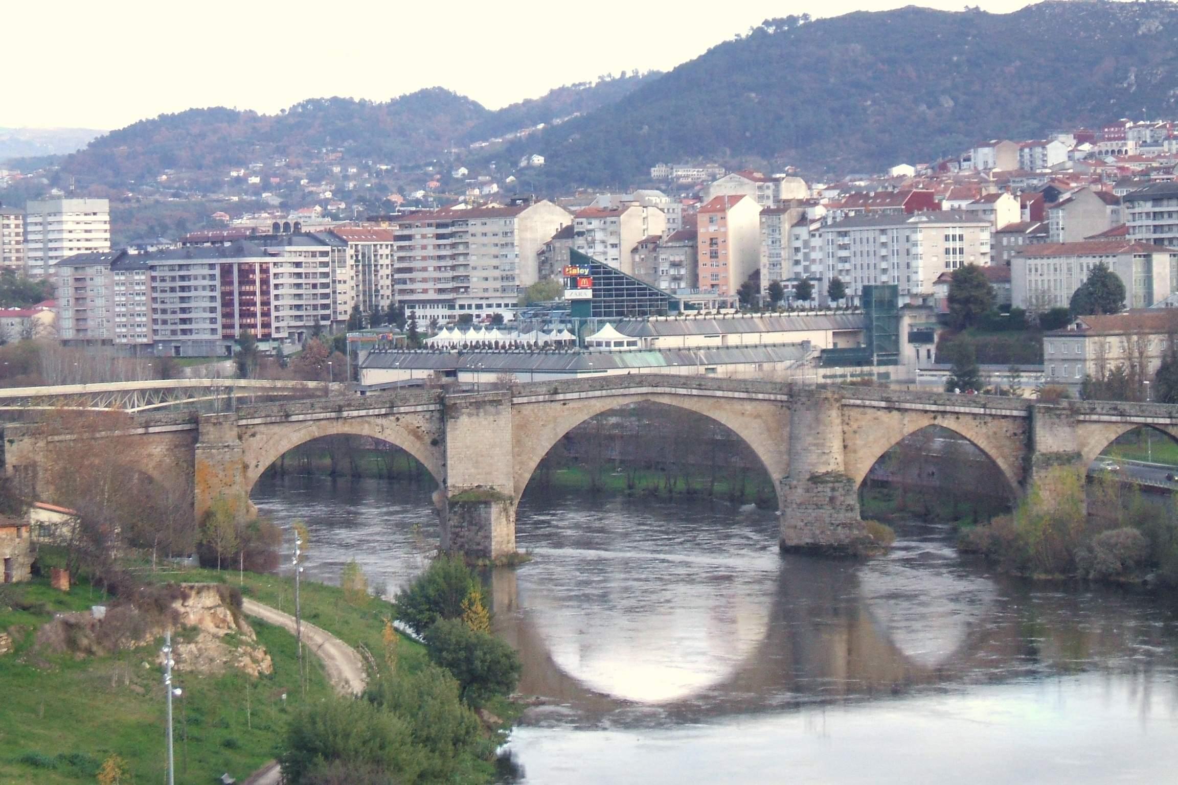 File:Orense - Ponte Maior 1.jpg - Wikimedia Commons