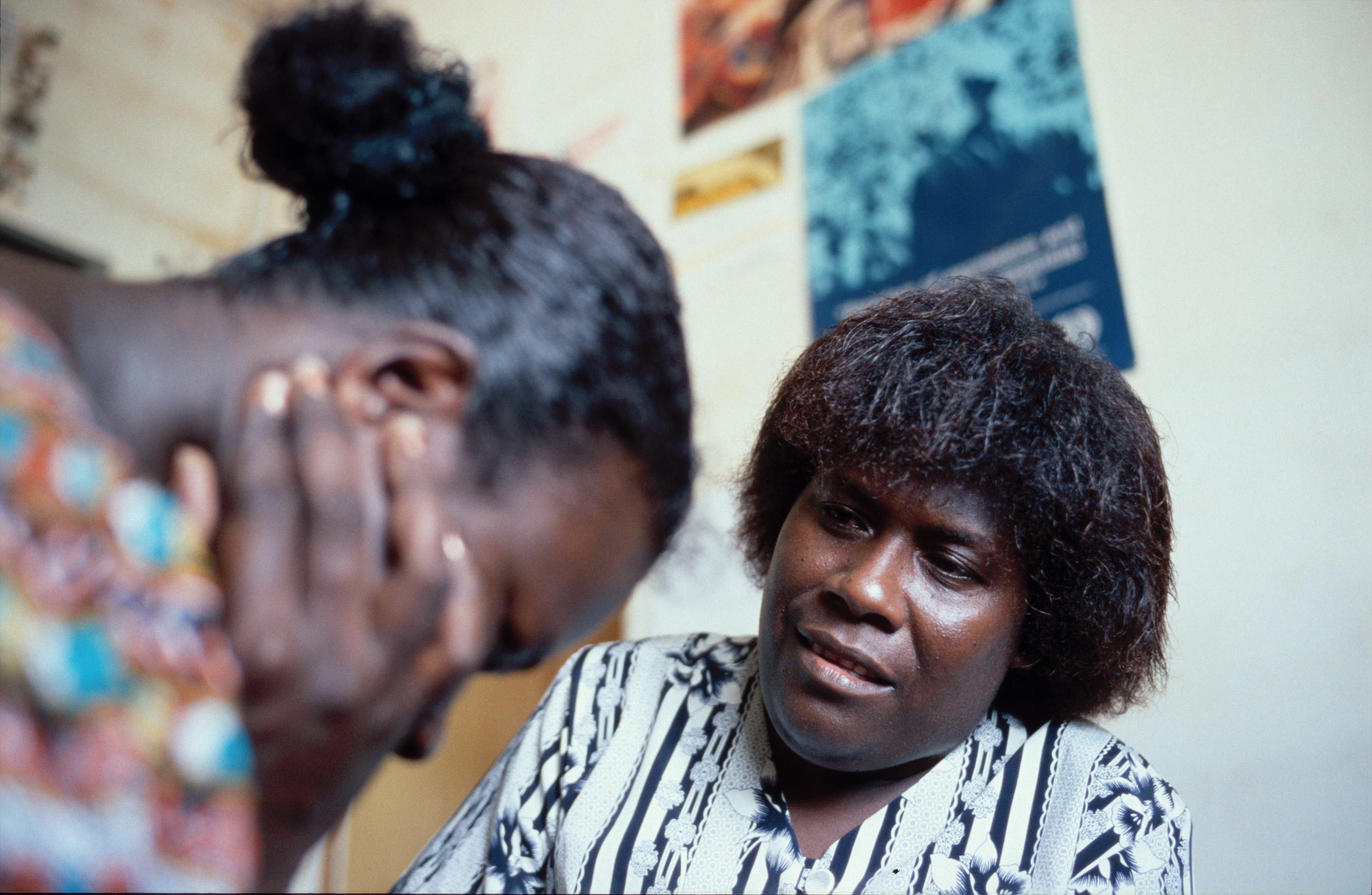 File:PNG counselling service for women. PNG 2008. Photo- AusAID  (10713786424).jpg - Wikimedia Commons
