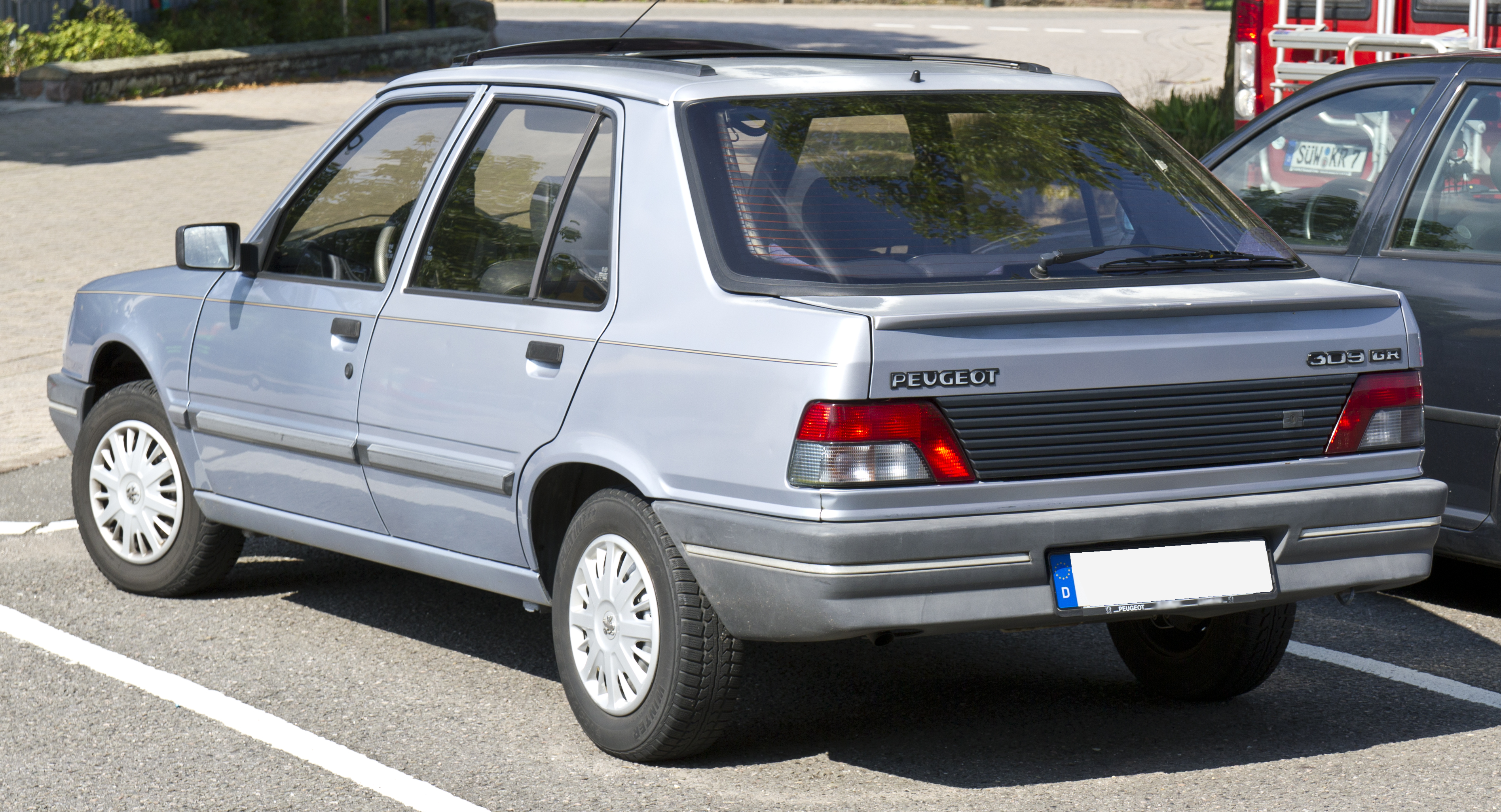 File:Peugeot 309 GR rear 20140731.jpg