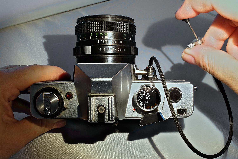 File:Praktica DTL 3 mit Pentacon 50mm Drahtfernauslöser.jpg ...