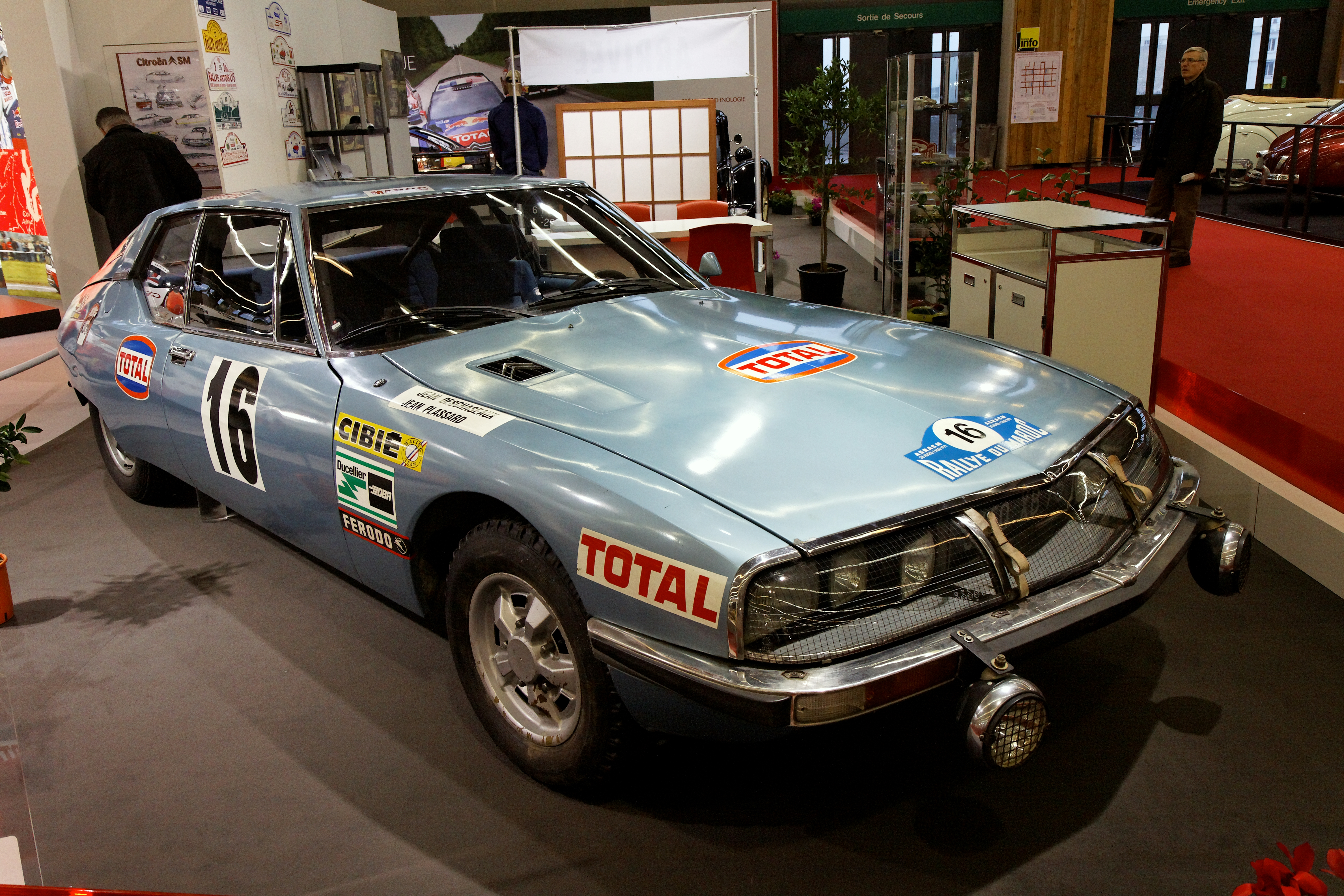 R%C3%A9tromobile_2011_-_Citro%C3%ABn_SM_Rallye_du_Maroc_1971_-_003.jpg