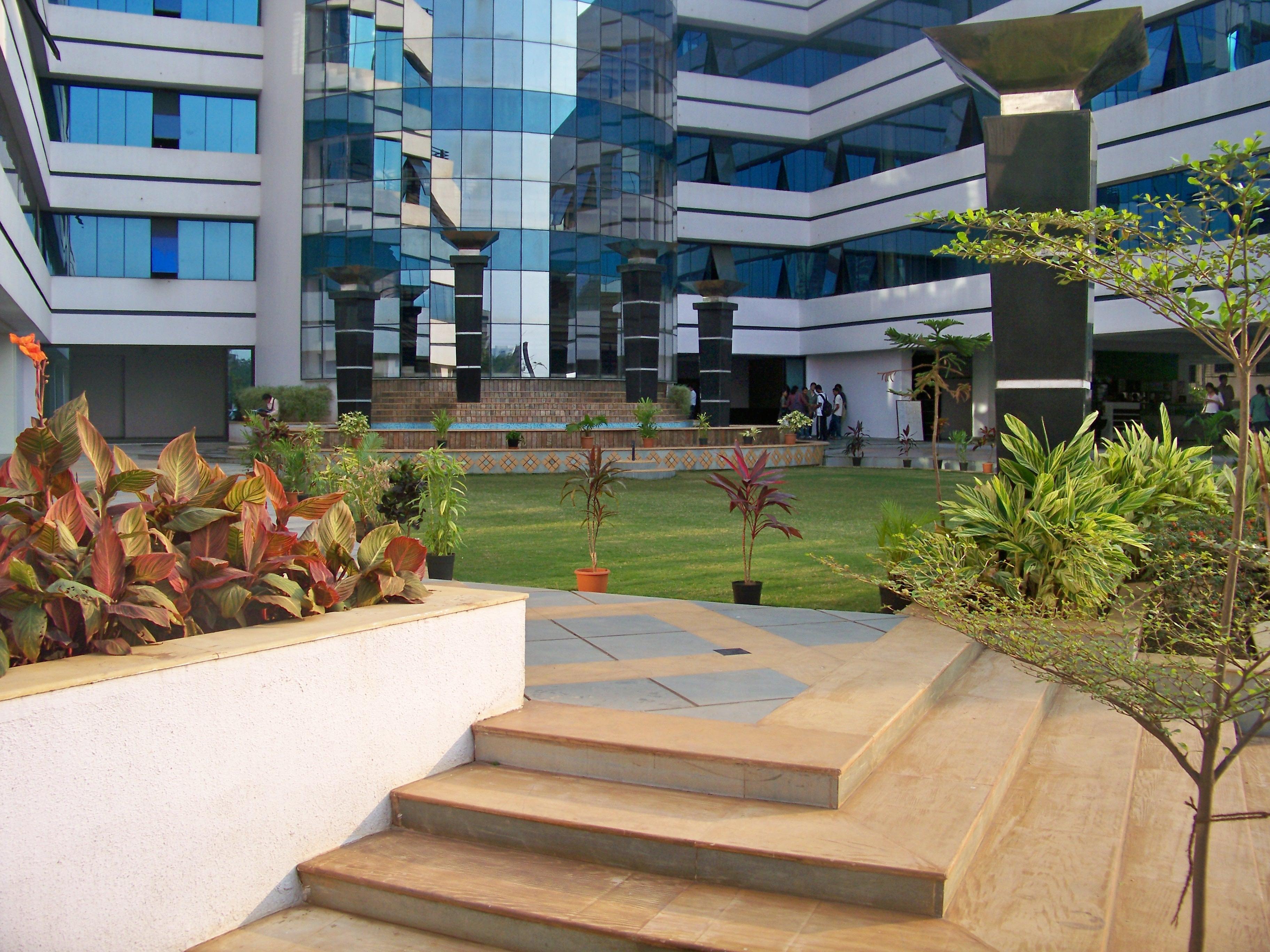 File:Rajiv Gandhi Institute of Technology, Mumbai 04.JPG ...