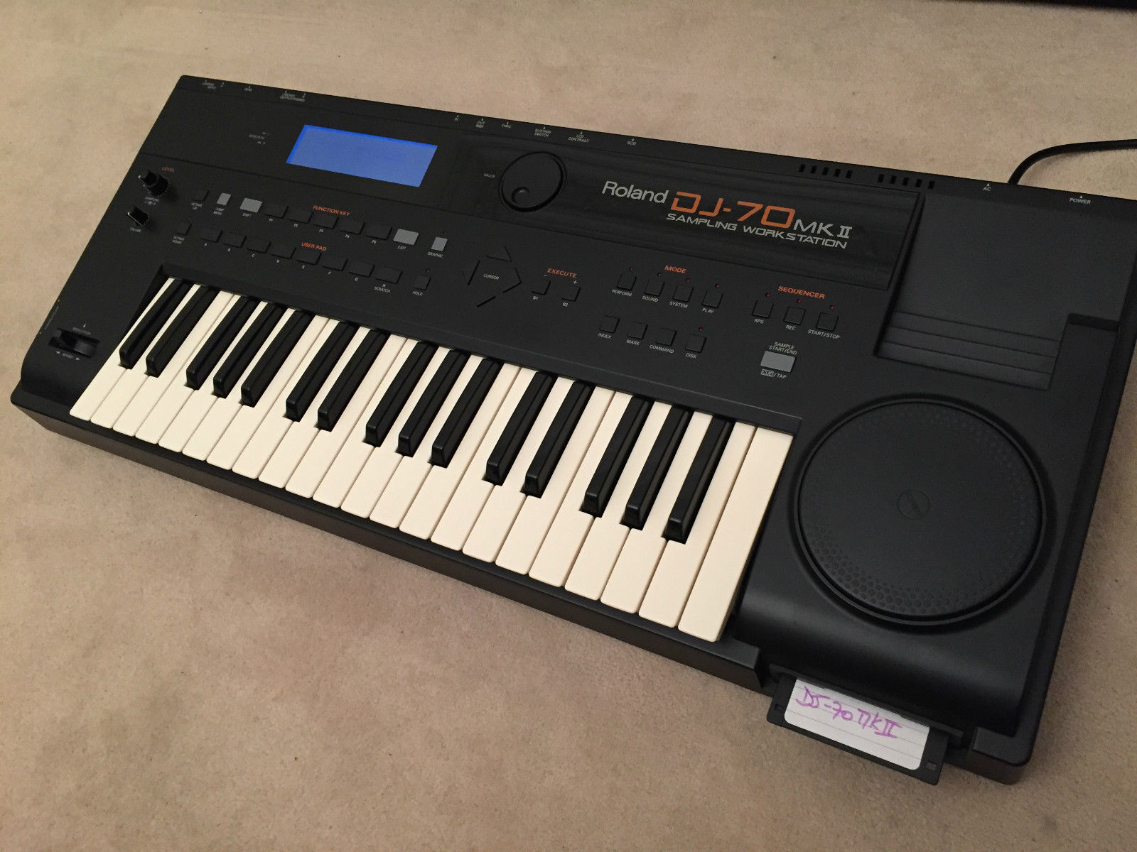Roland DJ-70 - Wikipedia